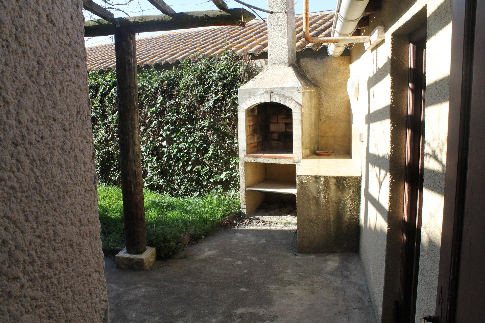 Fourques - Villa agréable
