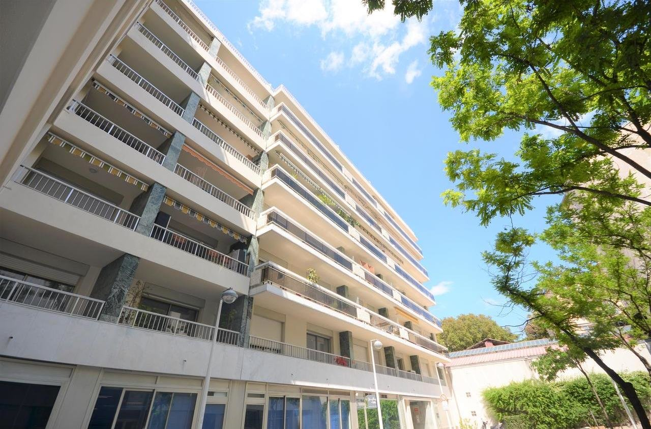 SALE Apartment 2 Rooms Carré d'Or/Musiciens Terrace 16m² High Floor