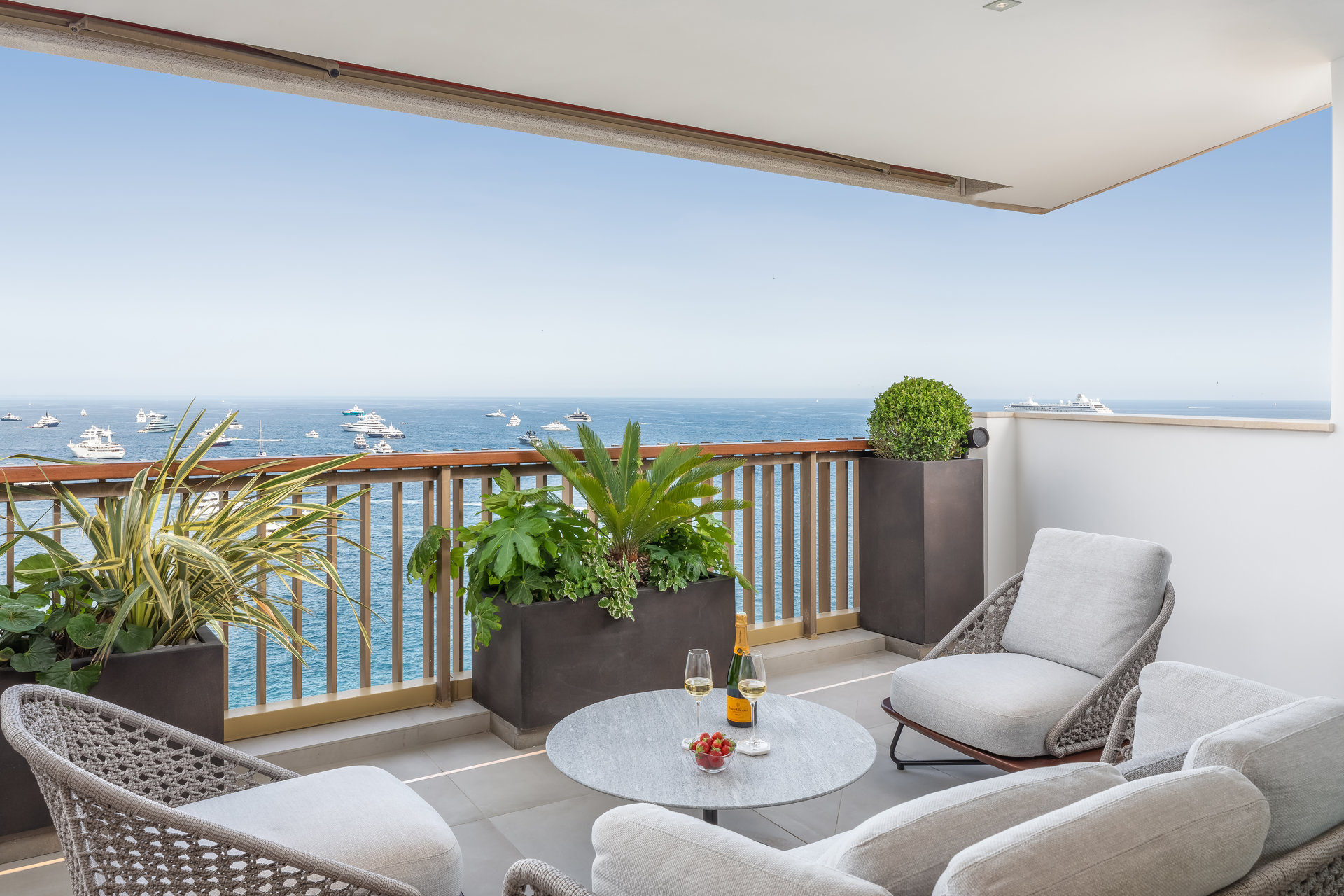 Mirabeau - Stunning 2 bedroom apartment
