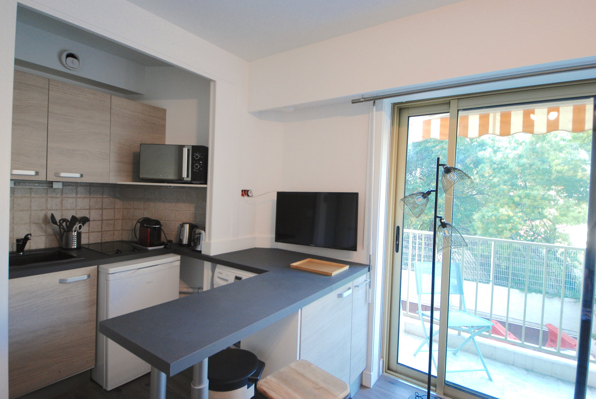 Congress rental  one bedroom in center of Cannes