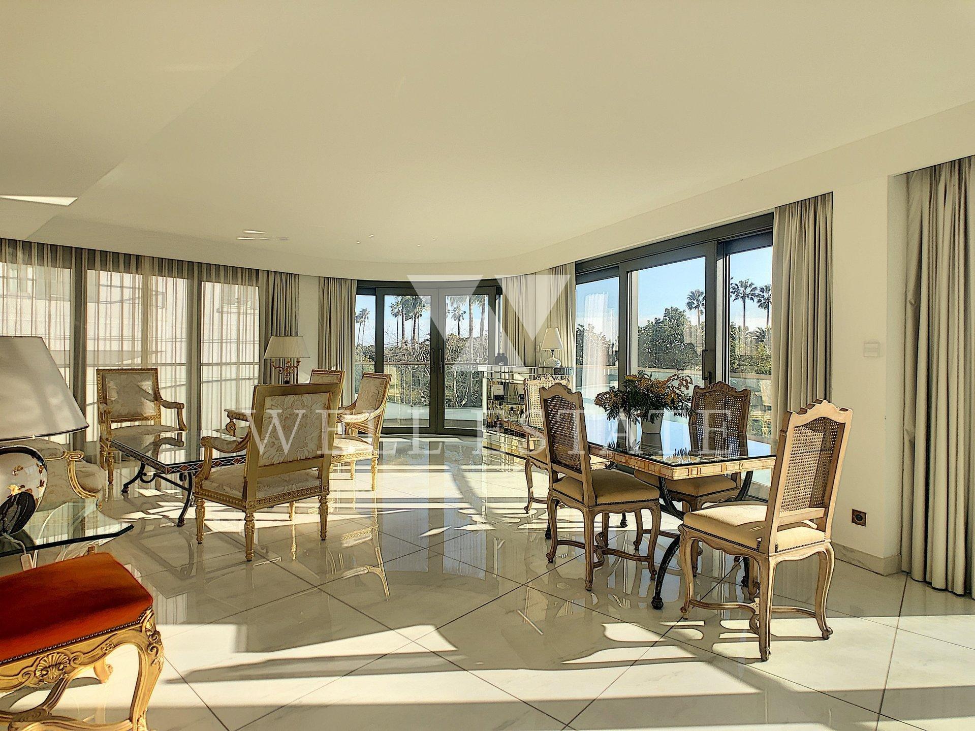 Канны Круазетт квартира 110м2 с 3 спальнями с видом на море и балконом