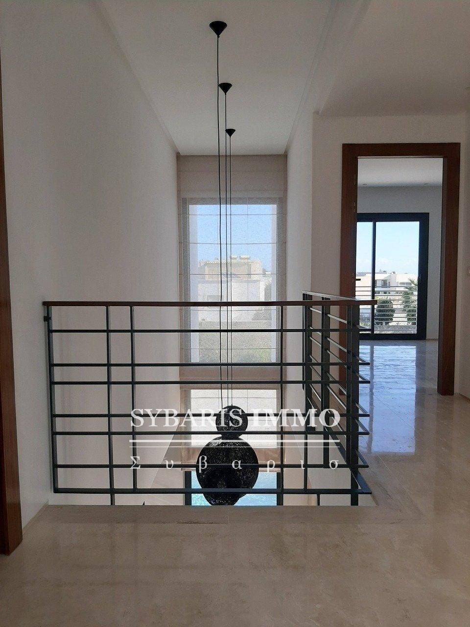 3 Villas avec piscine à vendre à Chotrana II - Tunis