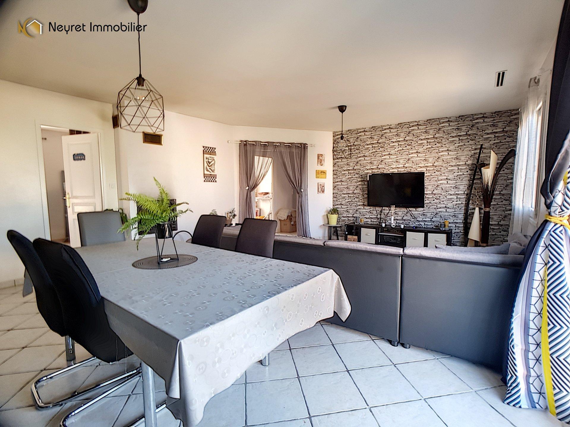 Maison individuelle de 100 m2  et entre-sol complet