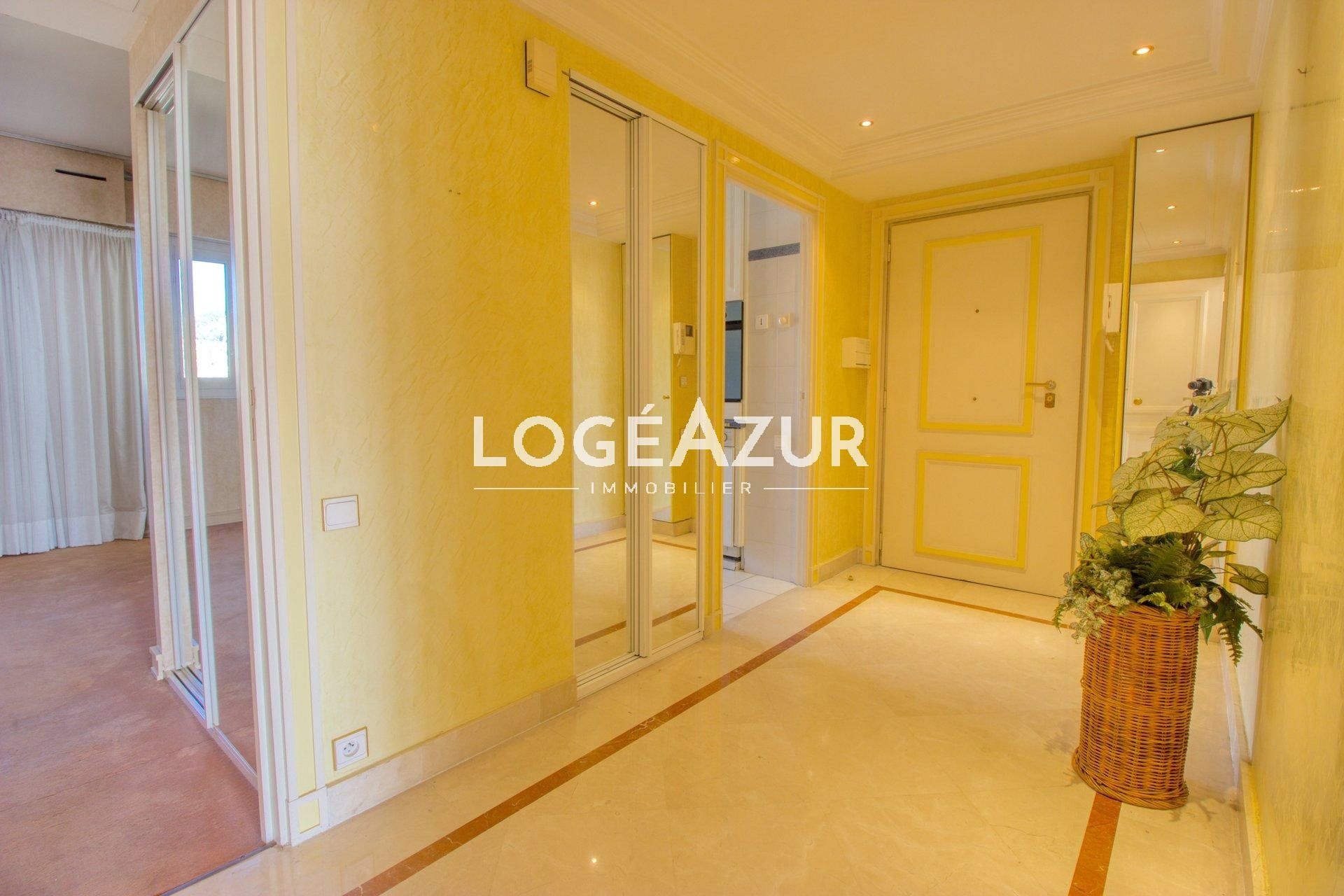 Apartment in the luxury residence Palais Napoleon