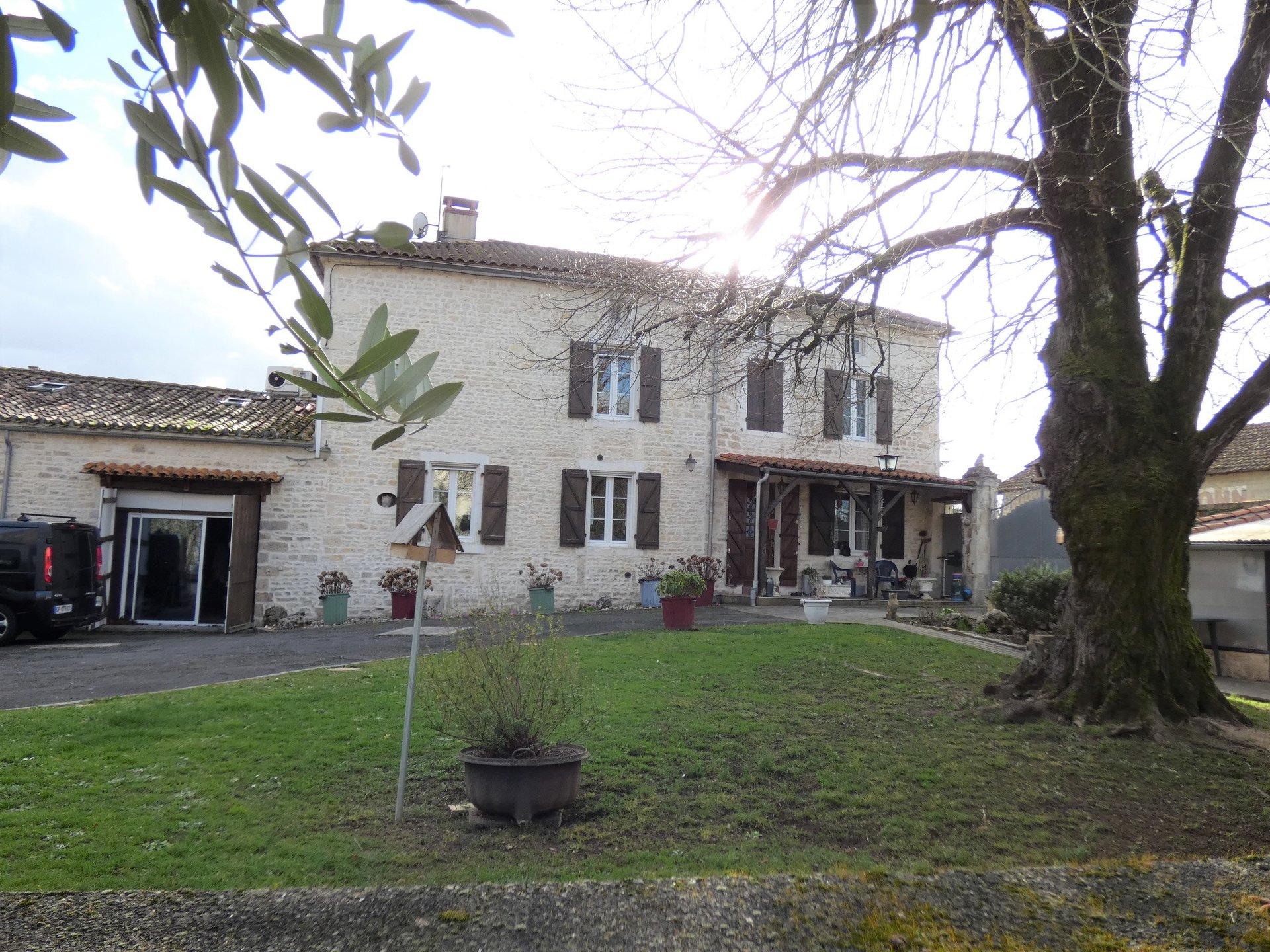 Maison de caractère avec Piscine interieur