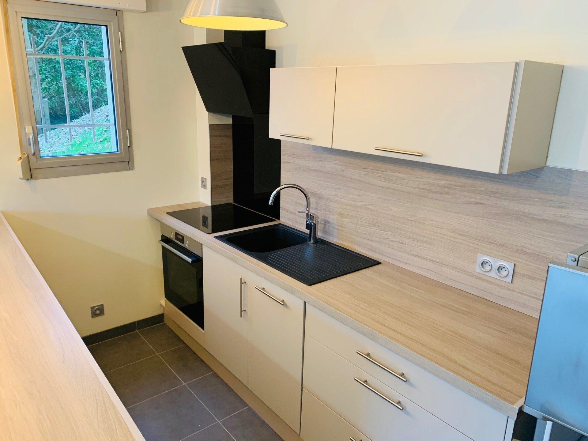 Appartement avec terrasse sur BIHOREL limite JOUVENET