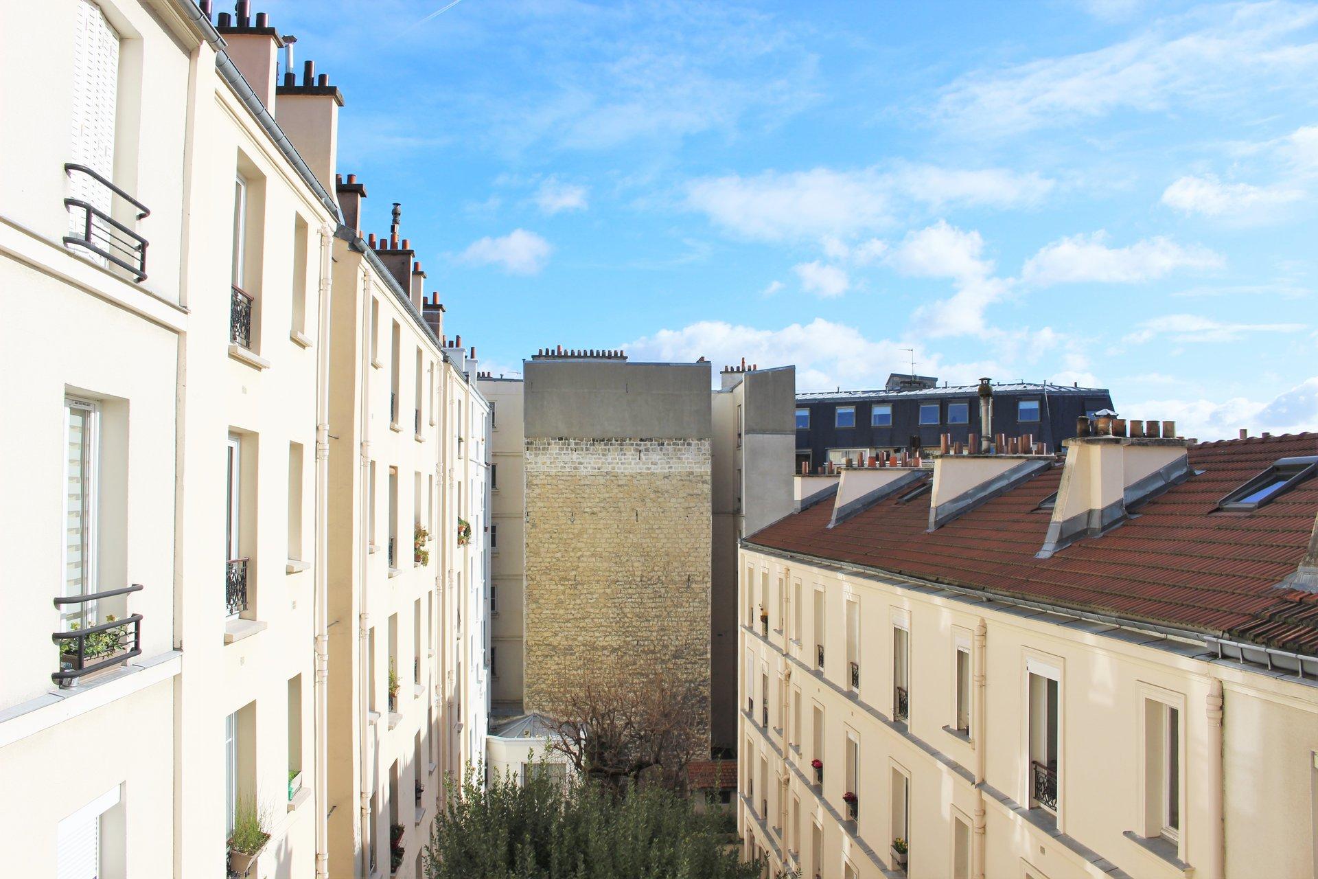 Paris - XIV ème - Parc MONTSOURIS - 2 PIÈCES - SOLEIL - AUCUN VIS-À-VIS - CADRE VERDOYANT - CALME - VENDU MEUBLÉ