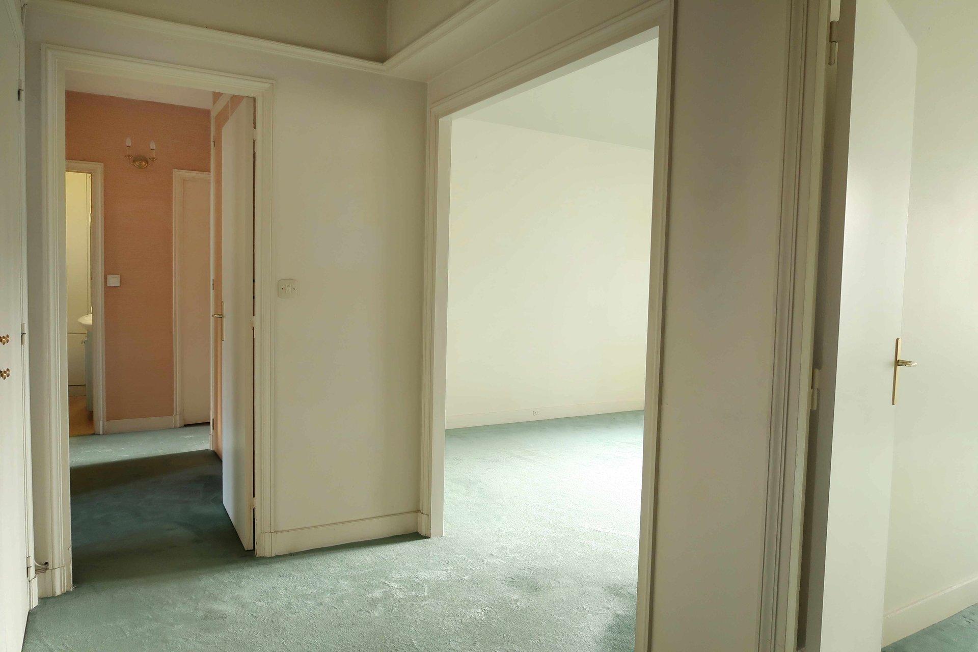 Sale Apartment - Versailles Porchefontaine