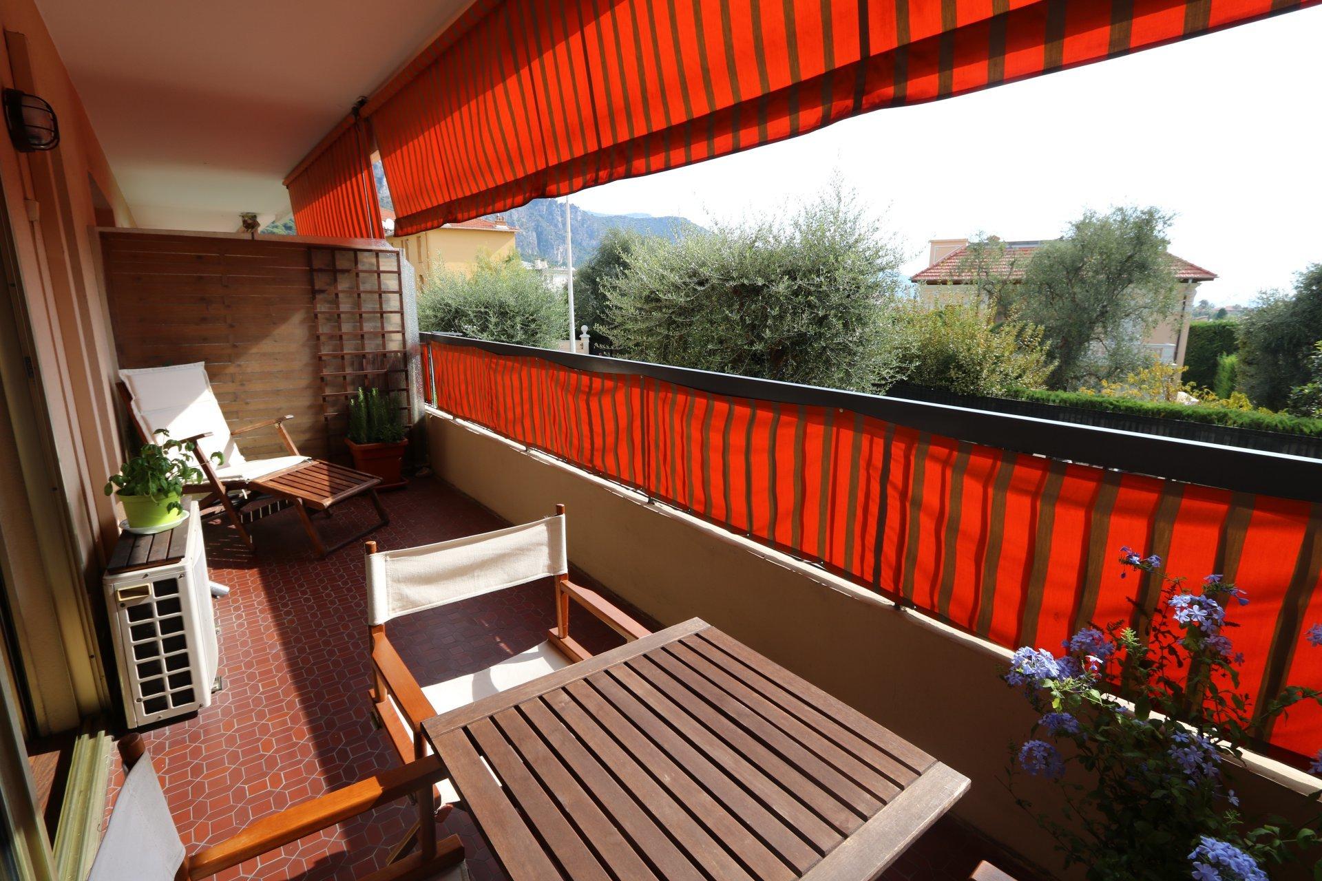 Beaulieu s/m, studio de 35 m avec terrasse, en parfait état
