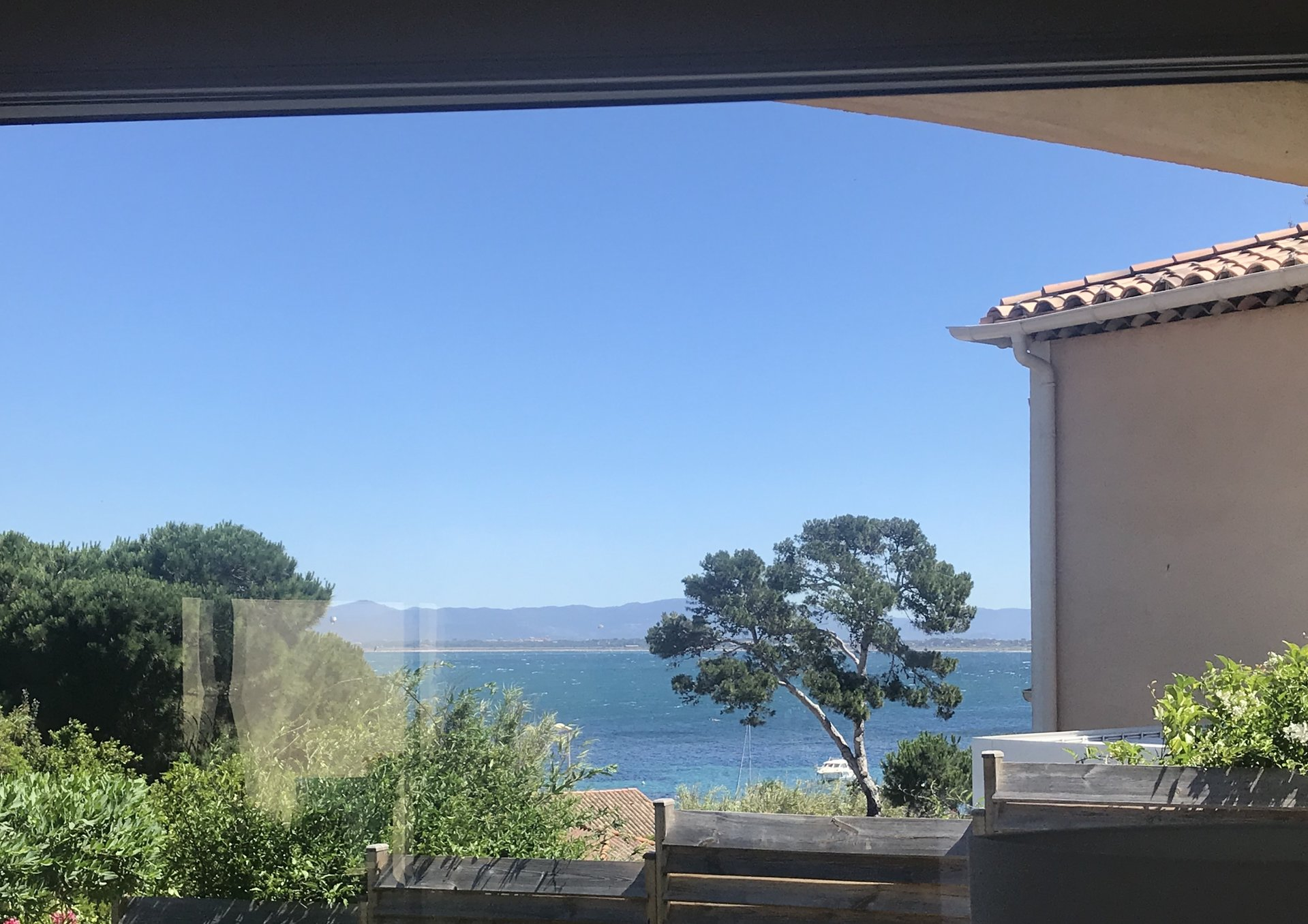 Villa in very good condition on the peninsula of Giens
