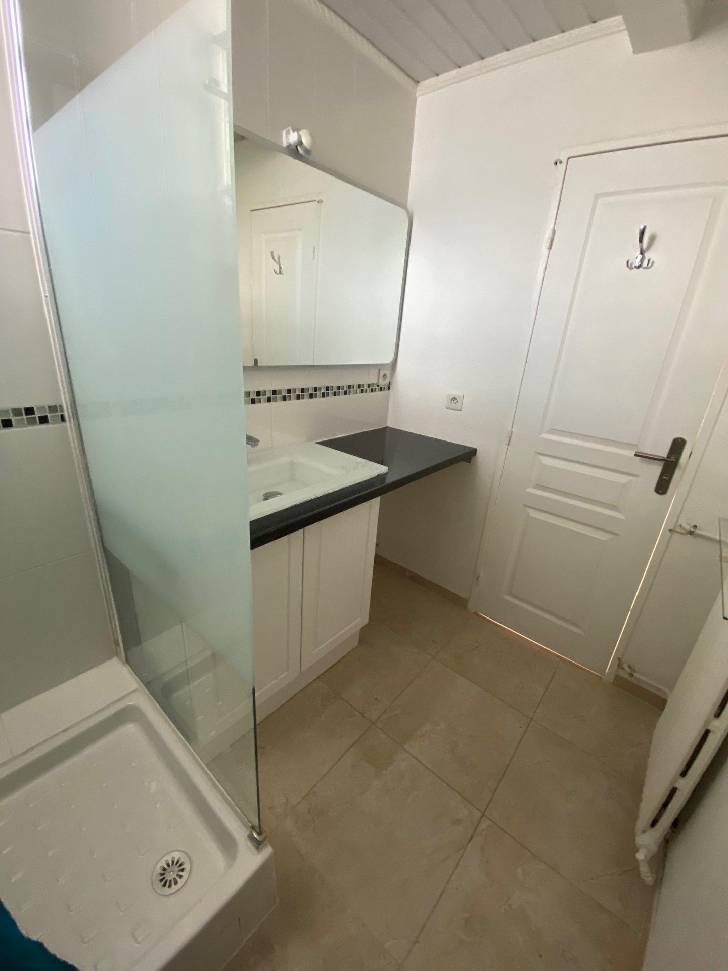 Rental Apartment - Colombes Gabril Péri - Estienne d'Orves