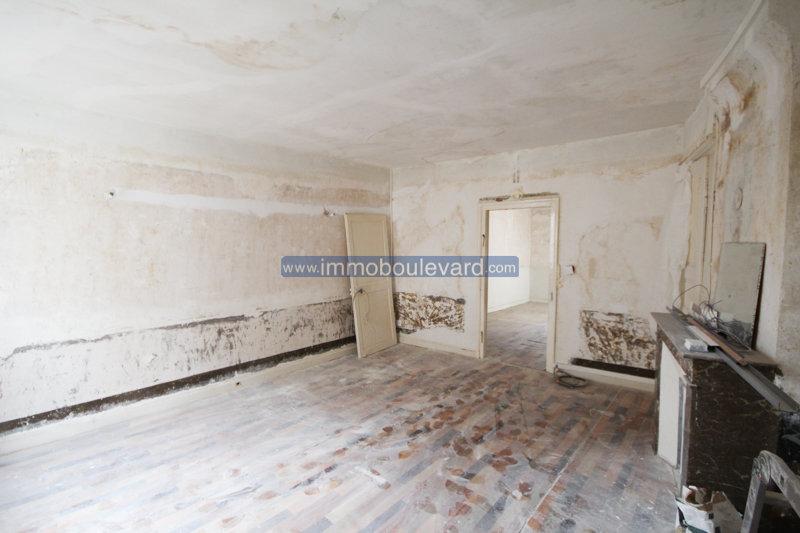 Ancien commerce avec habitation à vendre à Chateau Chinon