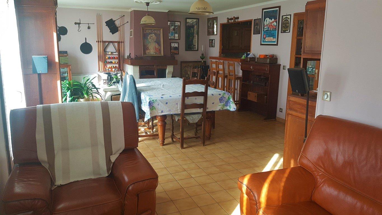 Traditionnel 4 chambres, avec mode de vie de plain pied  !