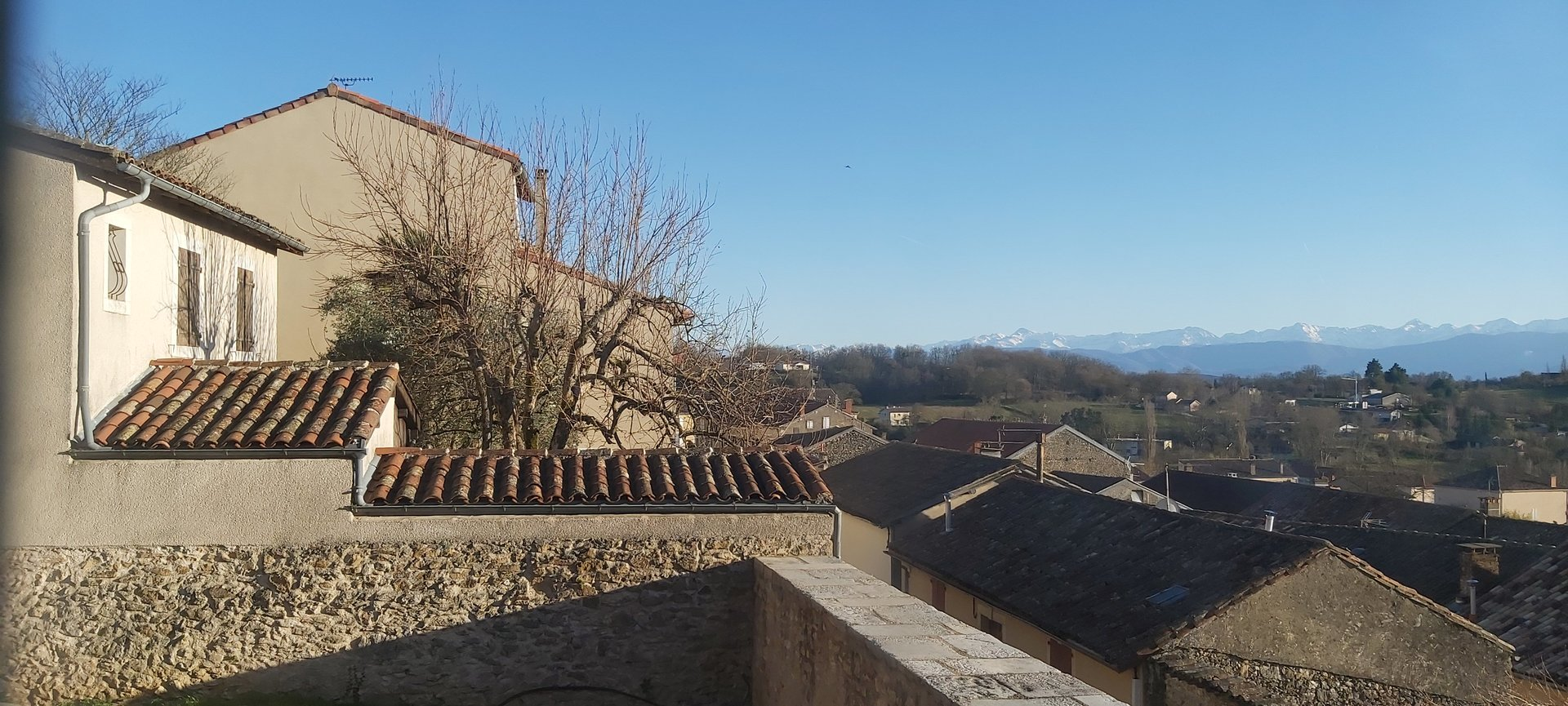 Exceptional property, with garden, panoramic view of the Pyrenees
