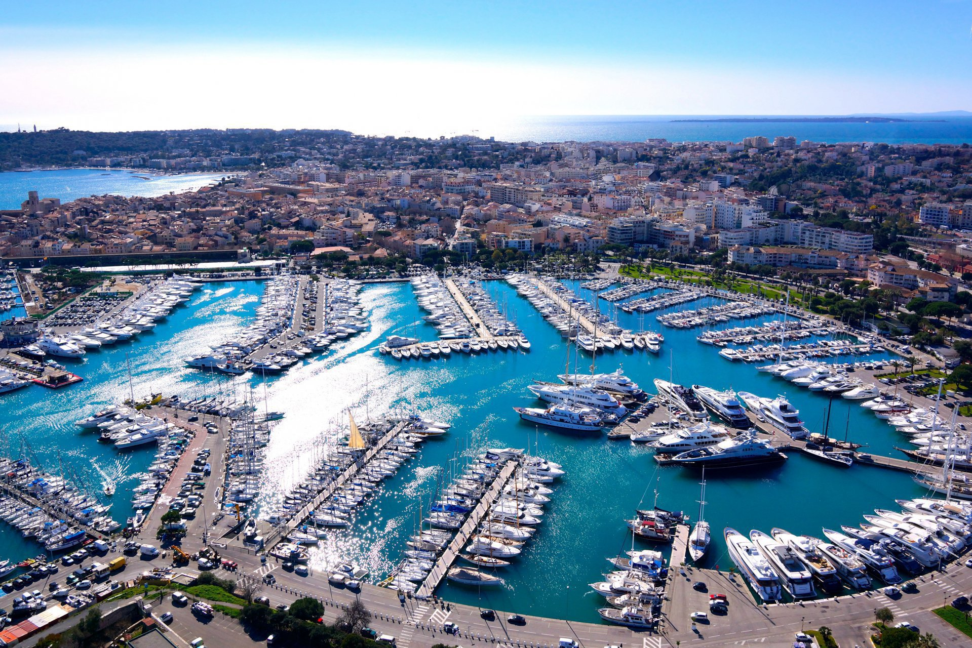 ANTIBES - French Riviera - 2 bed apartment - Swimming pool - Top floor