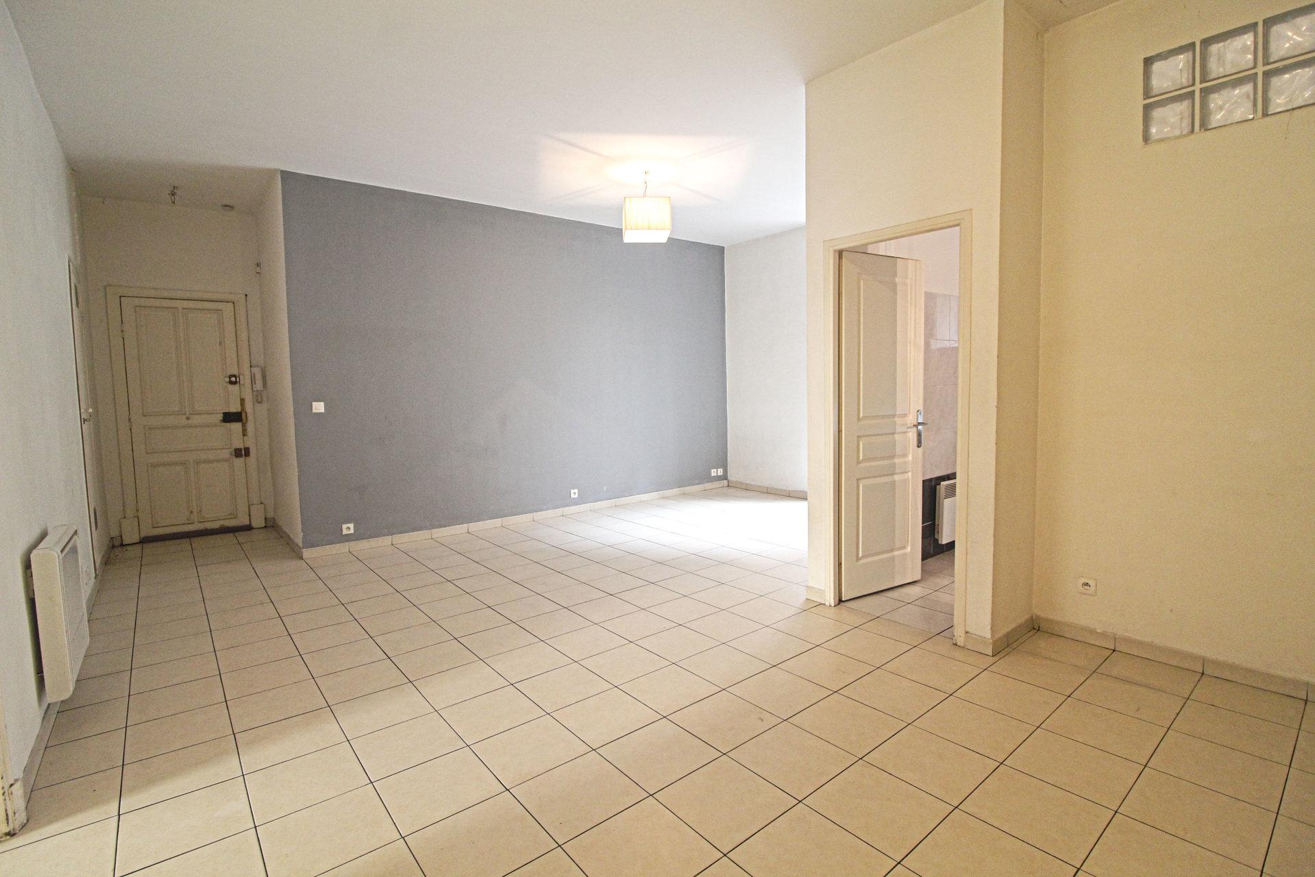 NICE EST PASTEUR - 2P 52 m² RDC - 99.000 €