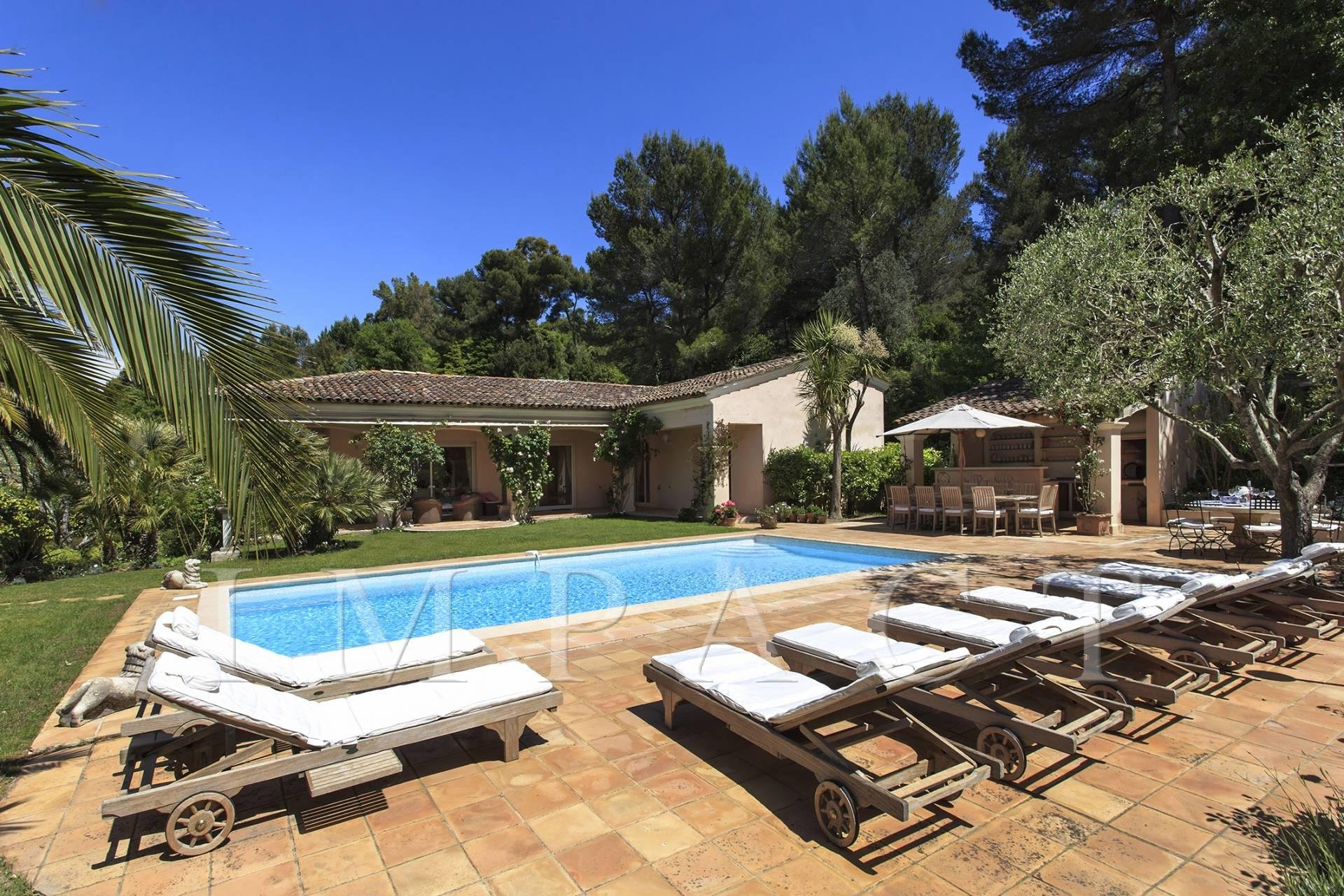 Beautiful Villa Provencal Style to rent Cannes