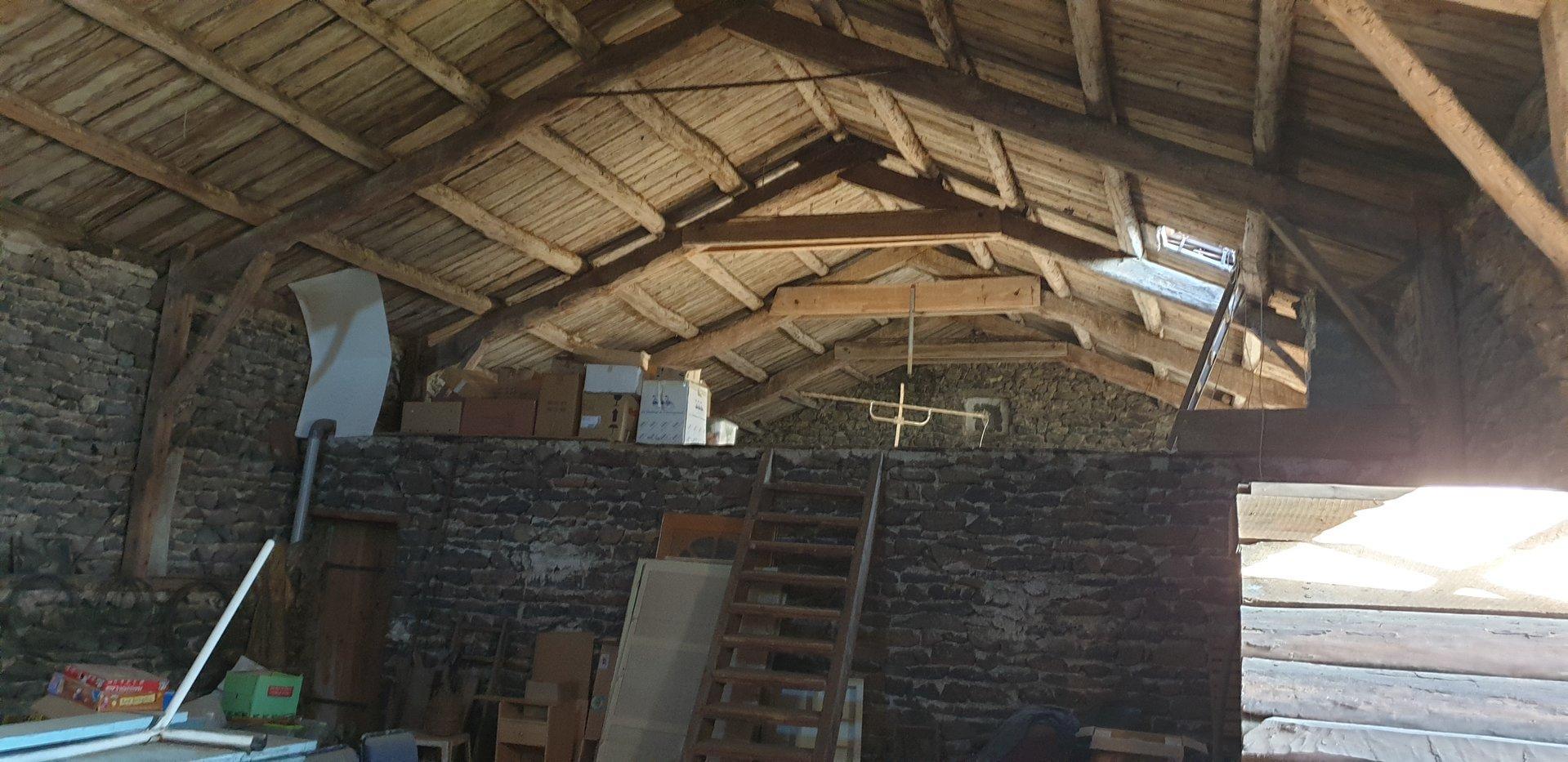 Sale Farm - St Jean Lachalm