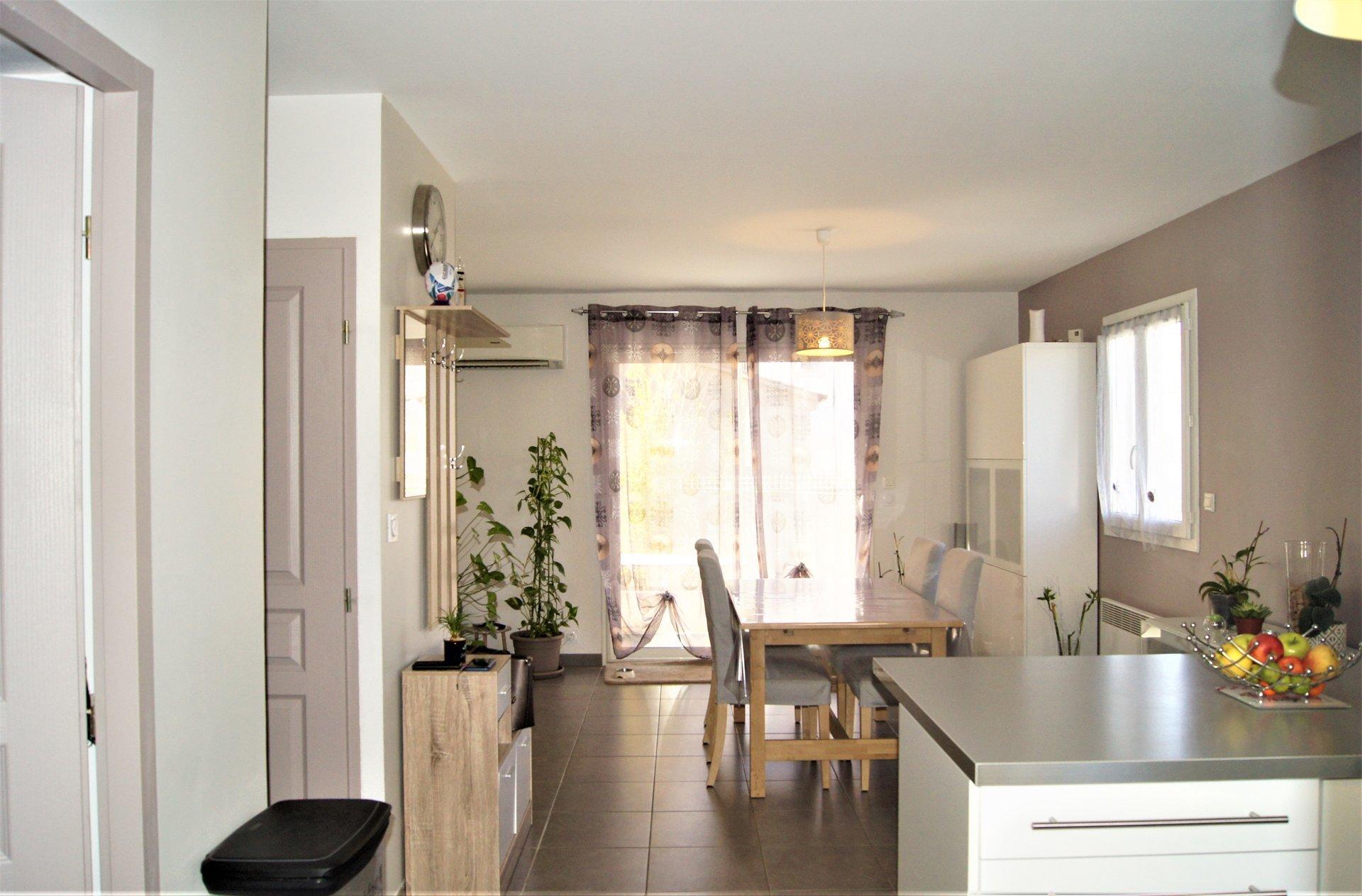 A proximité du centre Arles, Maison avec terrasse
