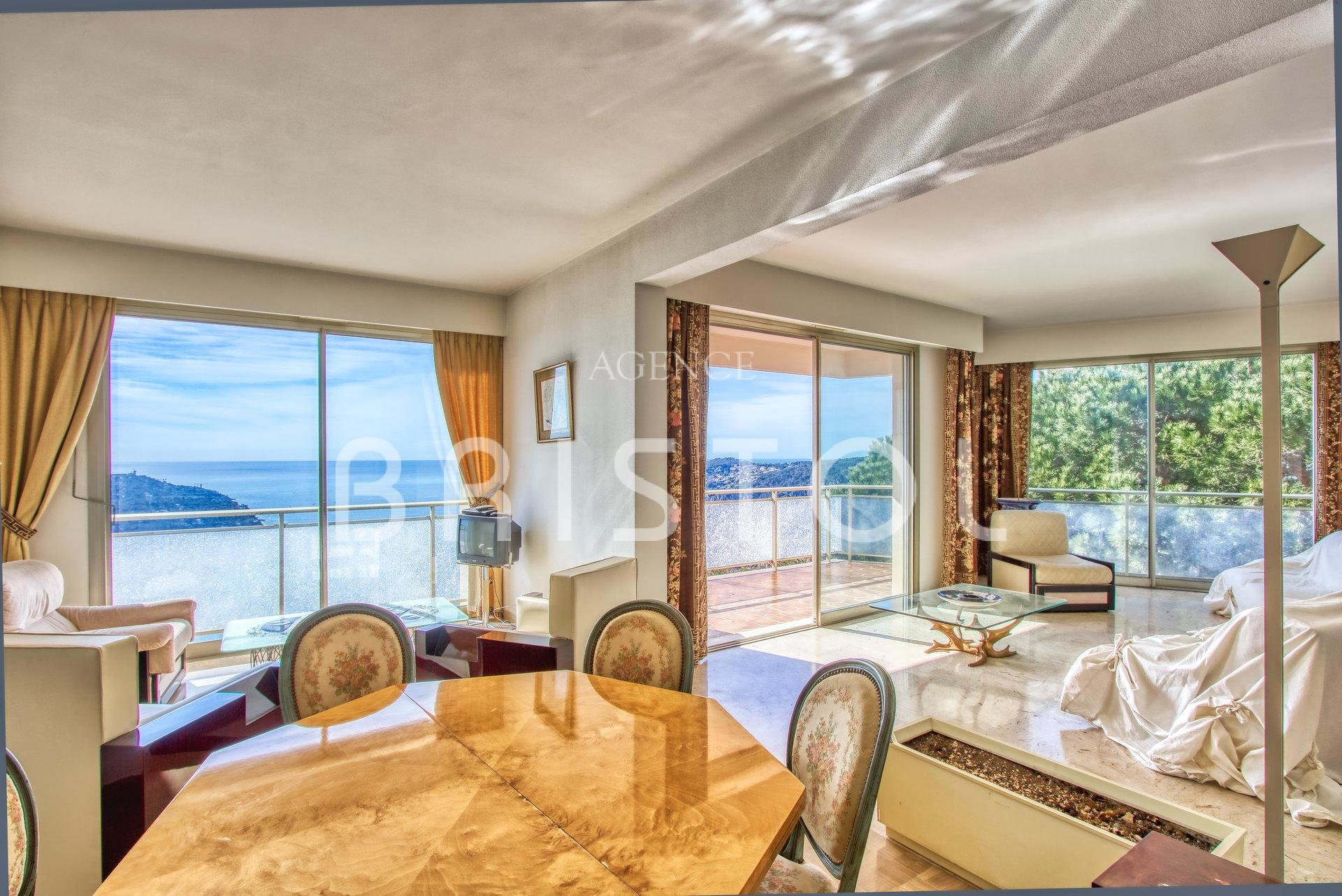 Apartment with amazing sea view on the Cap Ferrat and the Bay of Villefranche