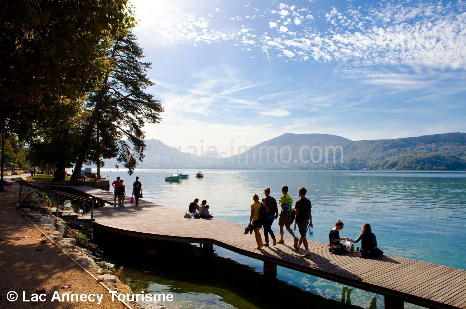 Annecy -le-vieux proche lac.