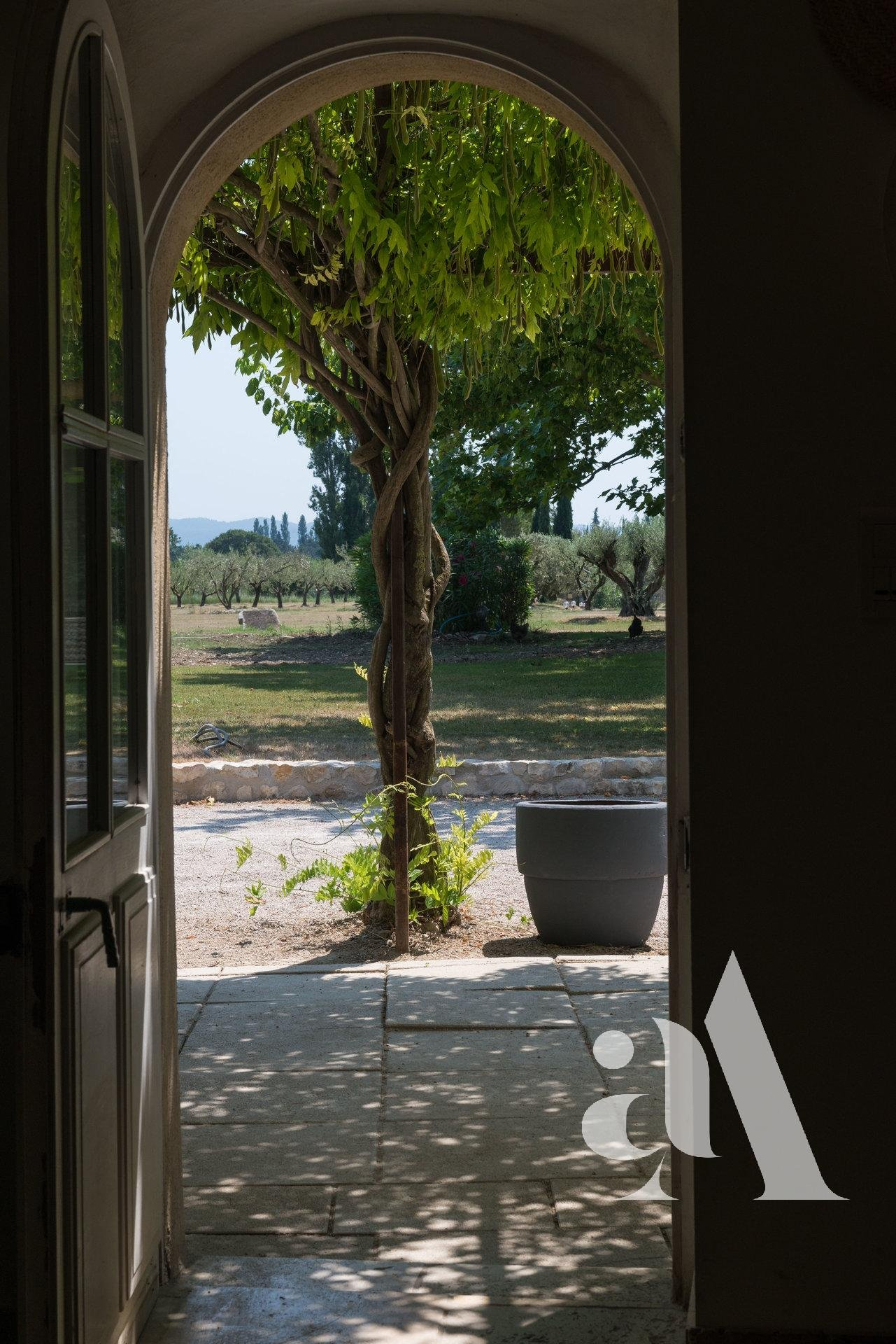 THE OLIVE MAS - GRAVESON - ALPILLES - 7 BEDROOMS - 14 PEOPLE