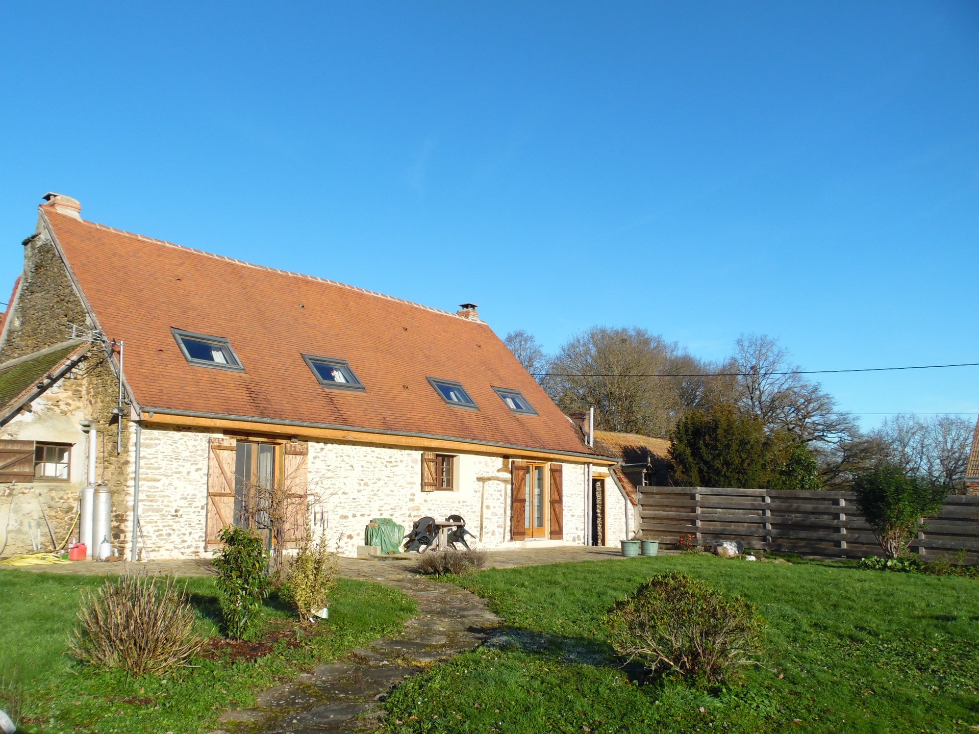 House with swimmingpool and garden for sale in the Creuse