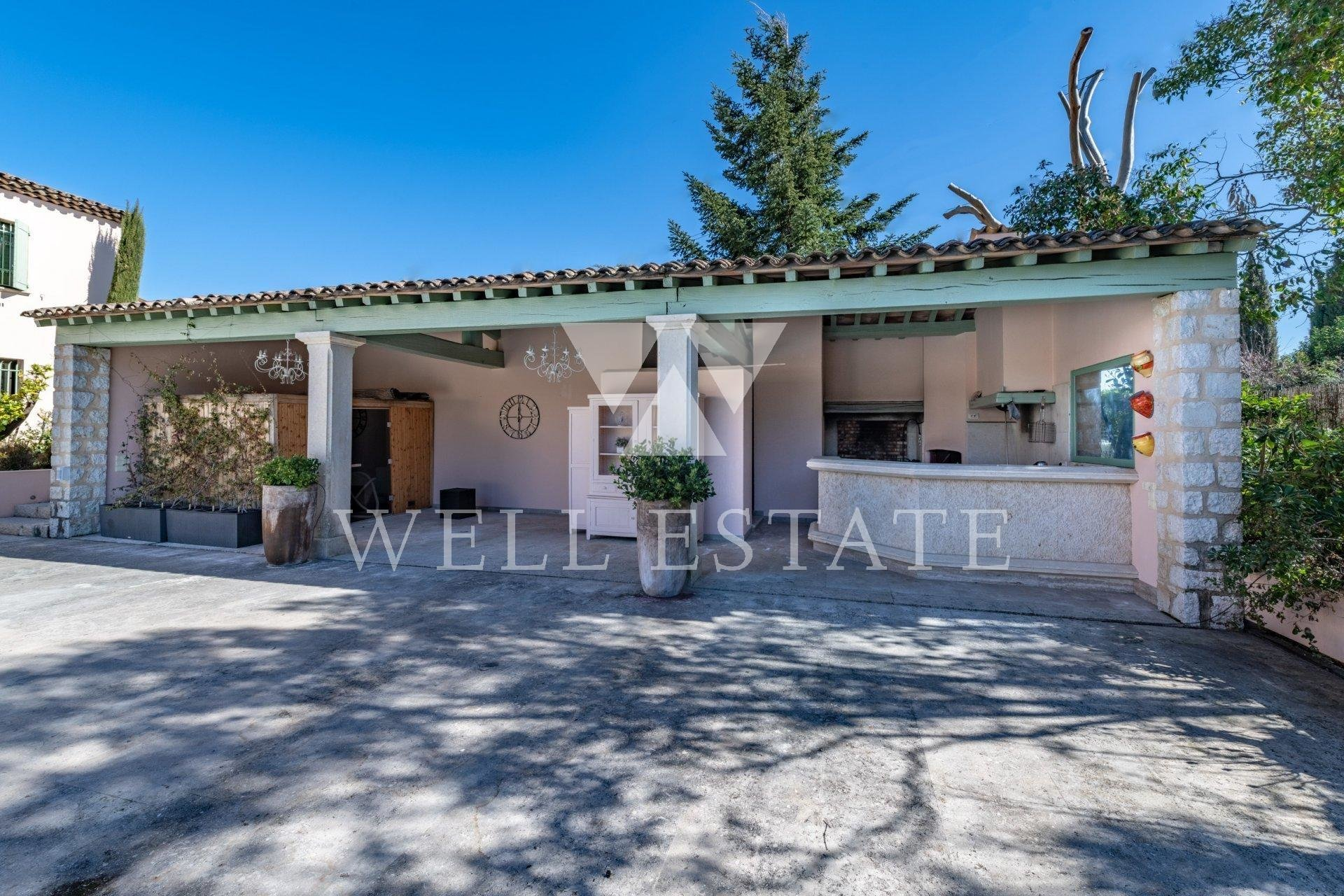 For Sale Amazing property in prestigious & secure domain close to Cannes