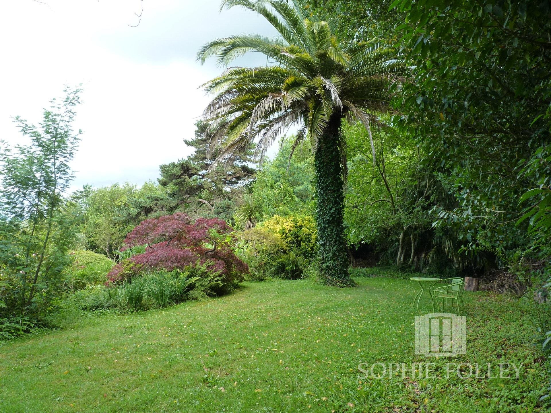 Beautiful property, with gîtes and apartments, situated on the heights of Salies