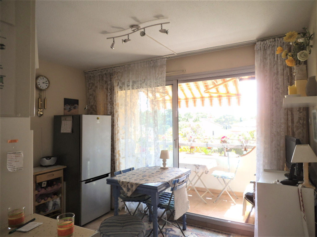 2/3 ROOMS APARTMENT CLOSE TO THE SEA AT SAINT RAPHAEL