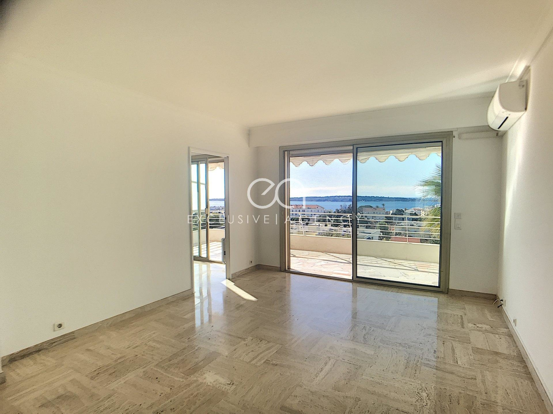 Long term rental 2 rooms 51sqm with terrace and panoramic sea view
