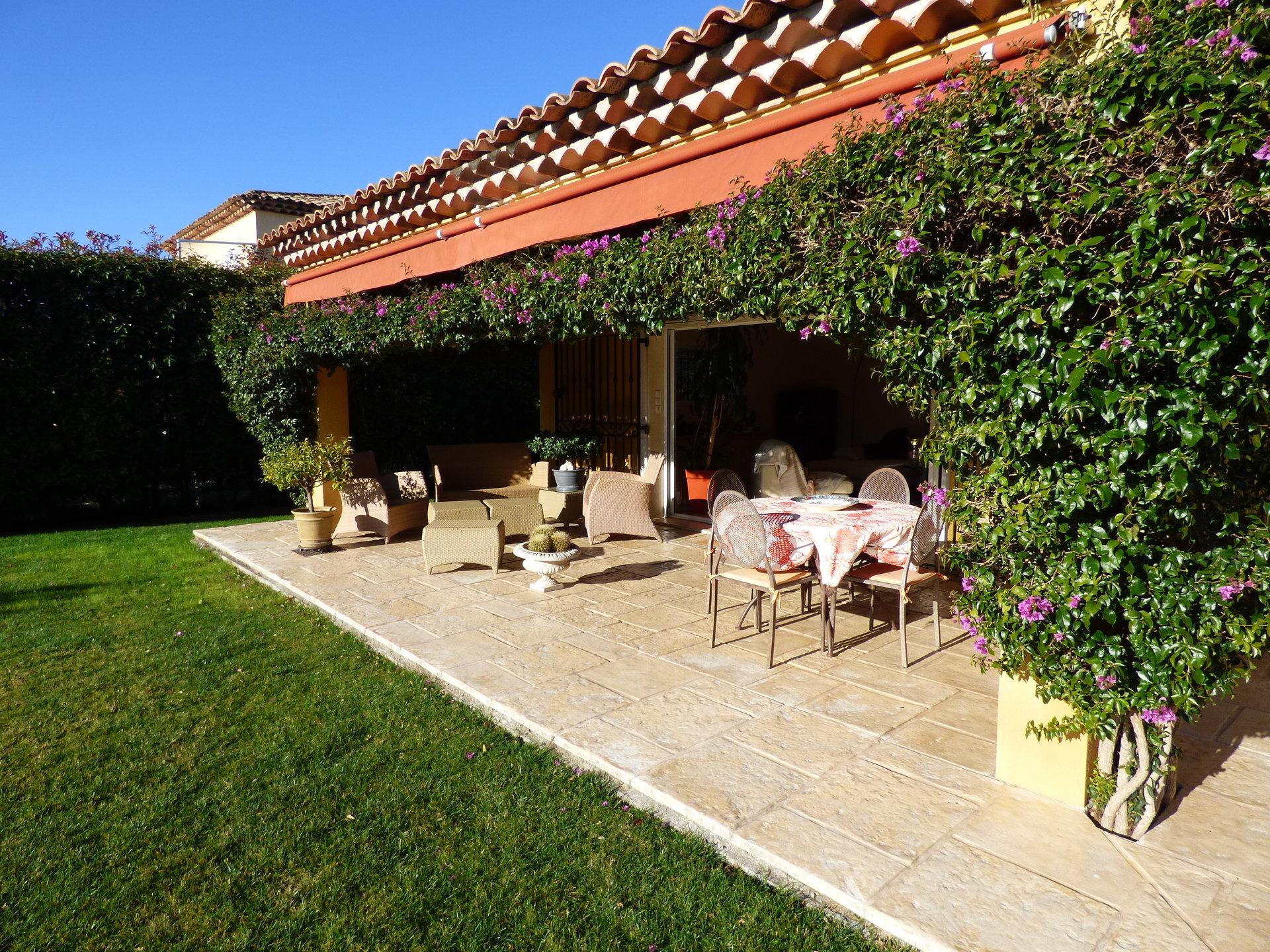 Villa avec piscine et vue mer à vendre sur la Côte d'Azur