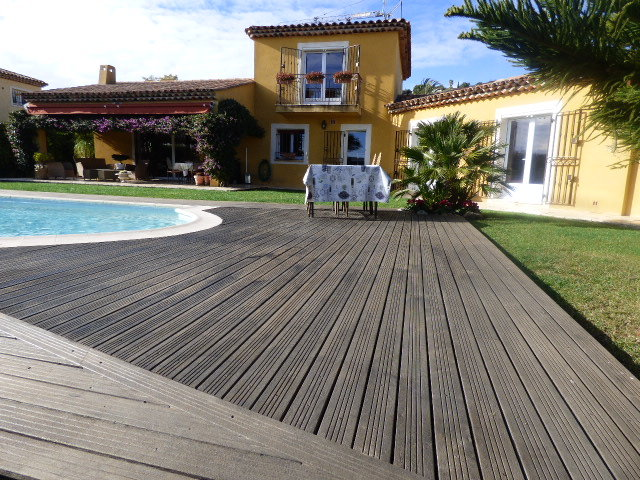 Villa with pool and sea view for sale on the Côte d'Azur