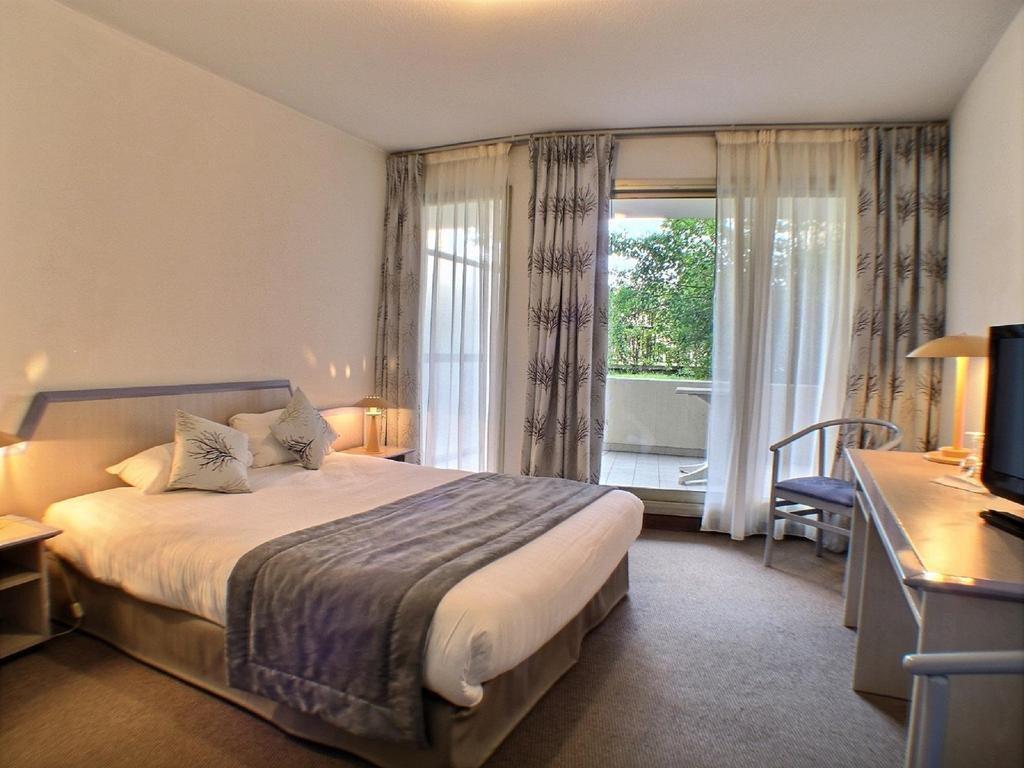 FONDS DE COMMERCE HOTEL ***  66 CHAMBRES SUR LES HAUTEURS DE CANNES - Hôtel Bureau