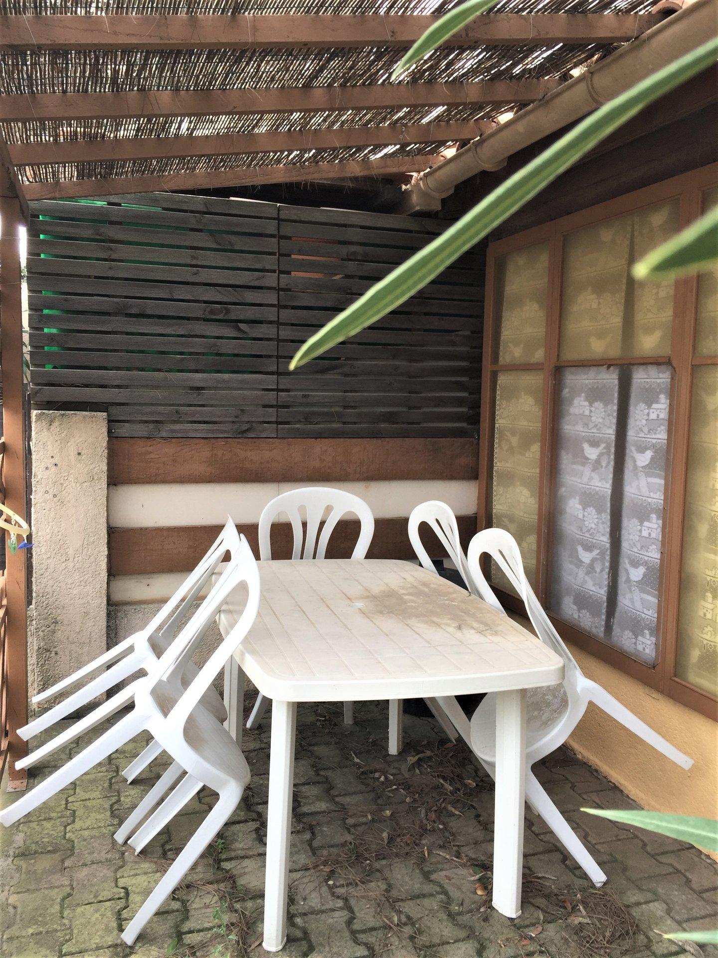 Joli pavillon T2 avec terrasse et jardin