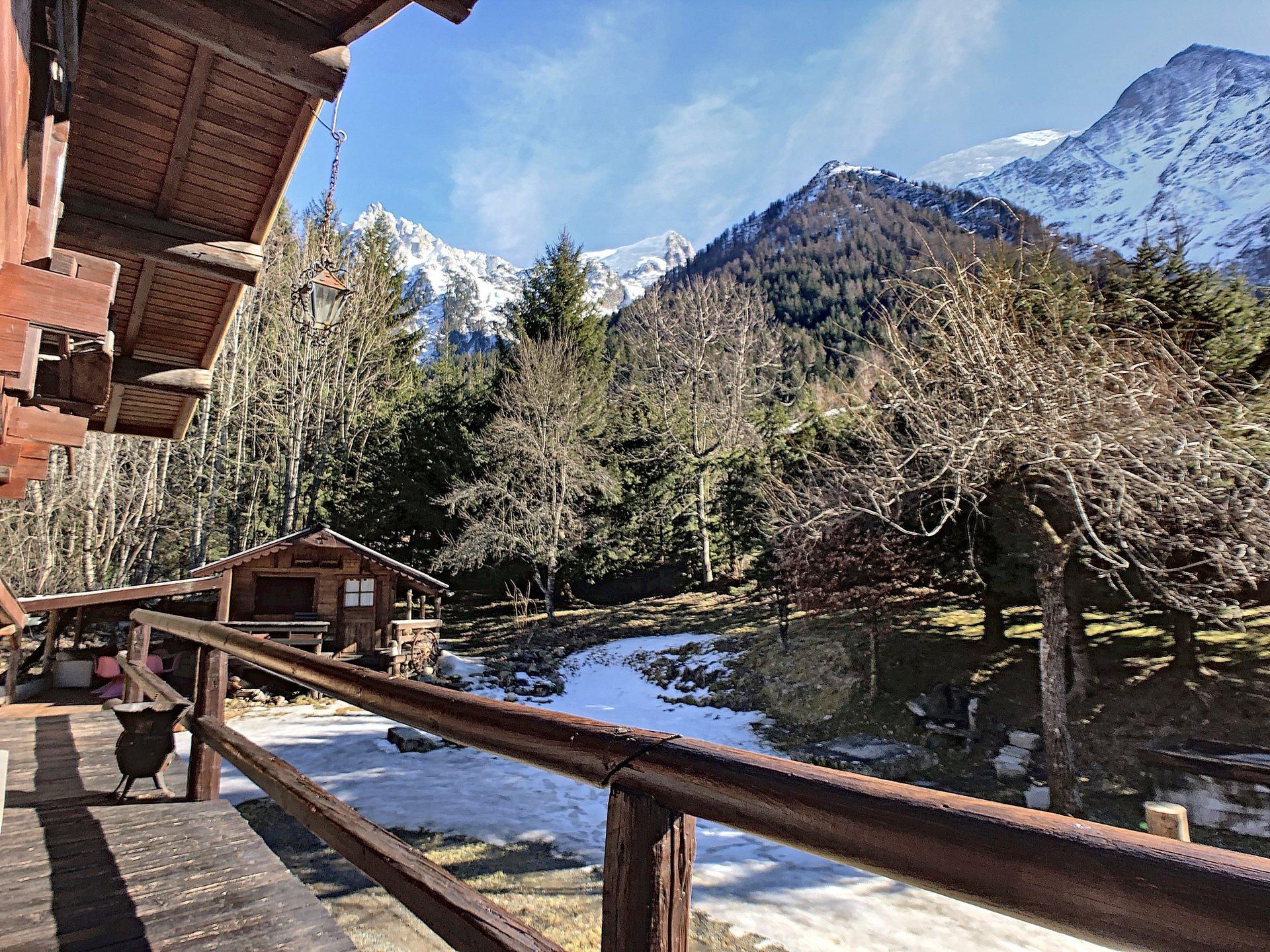 View onto the Mont Blanc mountain range