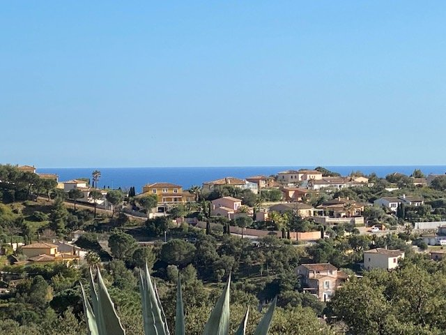 Villa for sale on the golf course of Sainte Maxime