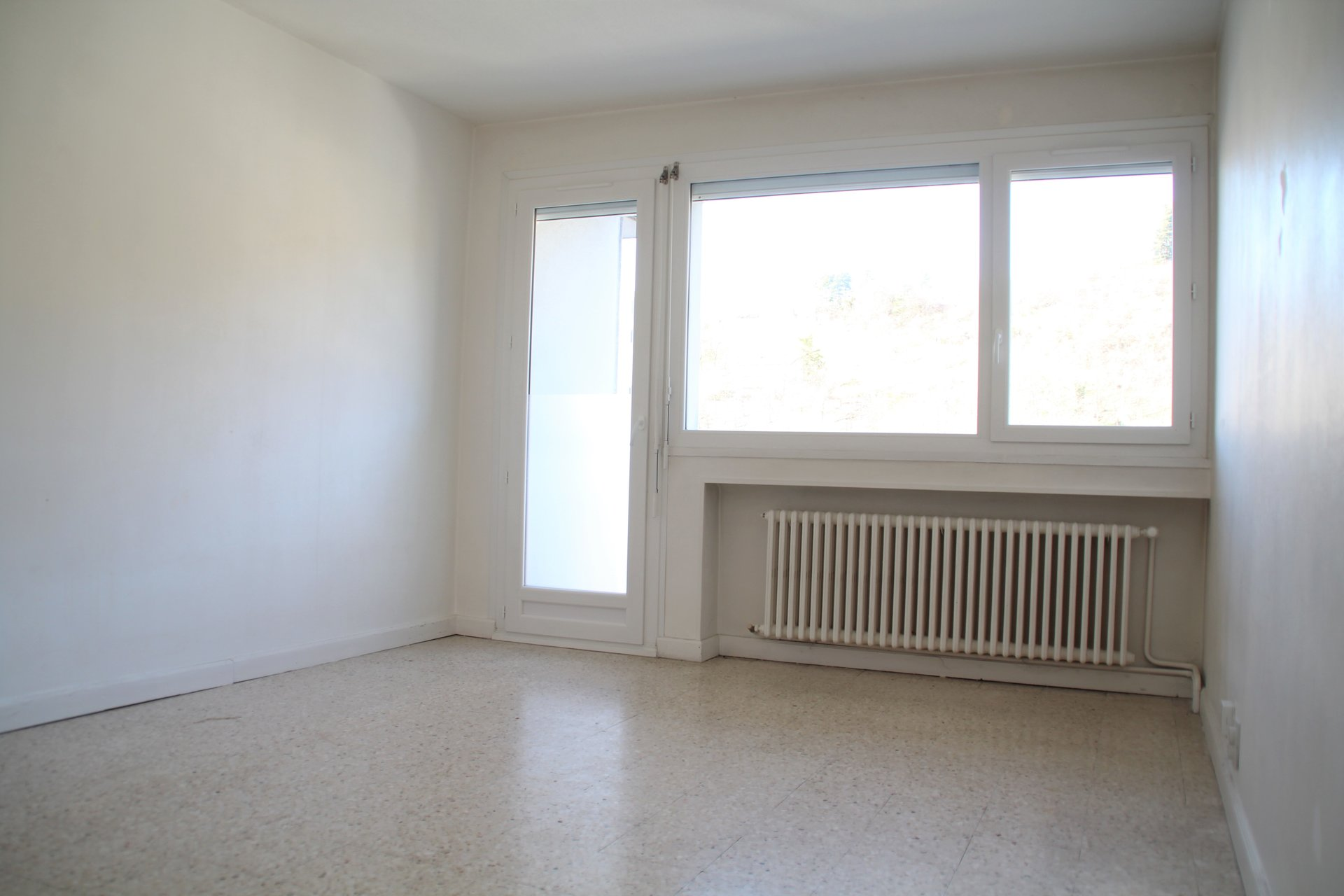 Appartement 62m² le Chambon-Feugerolles avec 4 balcons