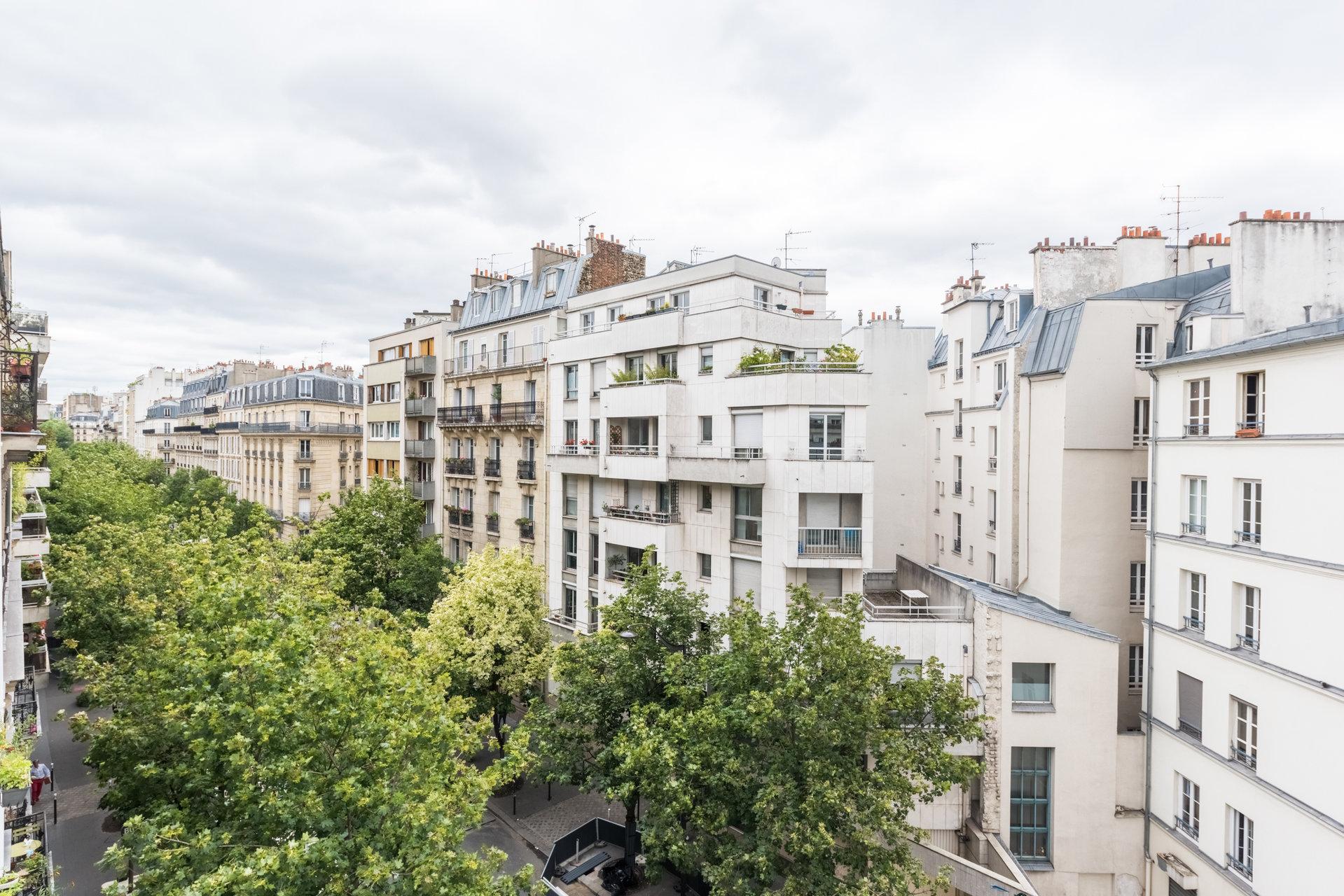 Paris - XVII ème - MOINES / DAVY - M° Guy Môquet - 2 PIÈCES VENDU LOUÉ - ÉTAGE ÉLEVÉ - SOLEIL - VUE DÉGAGÉE