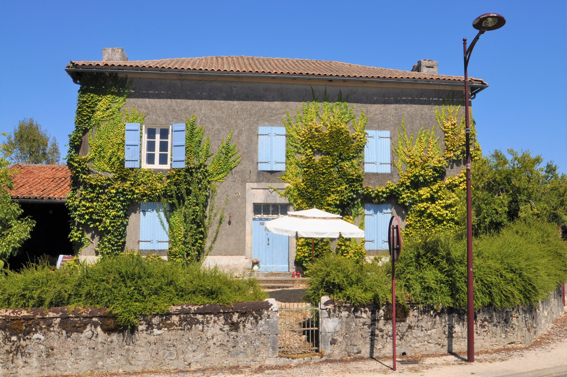 Pretty Charentaise property with great views