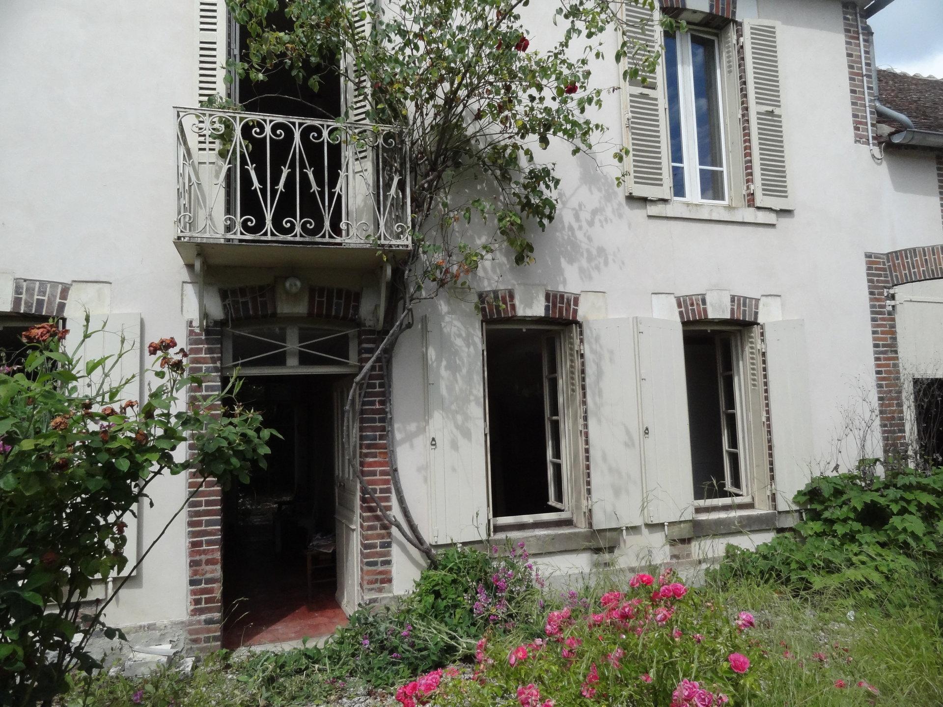 Sale House - Aillant Sur Tholon