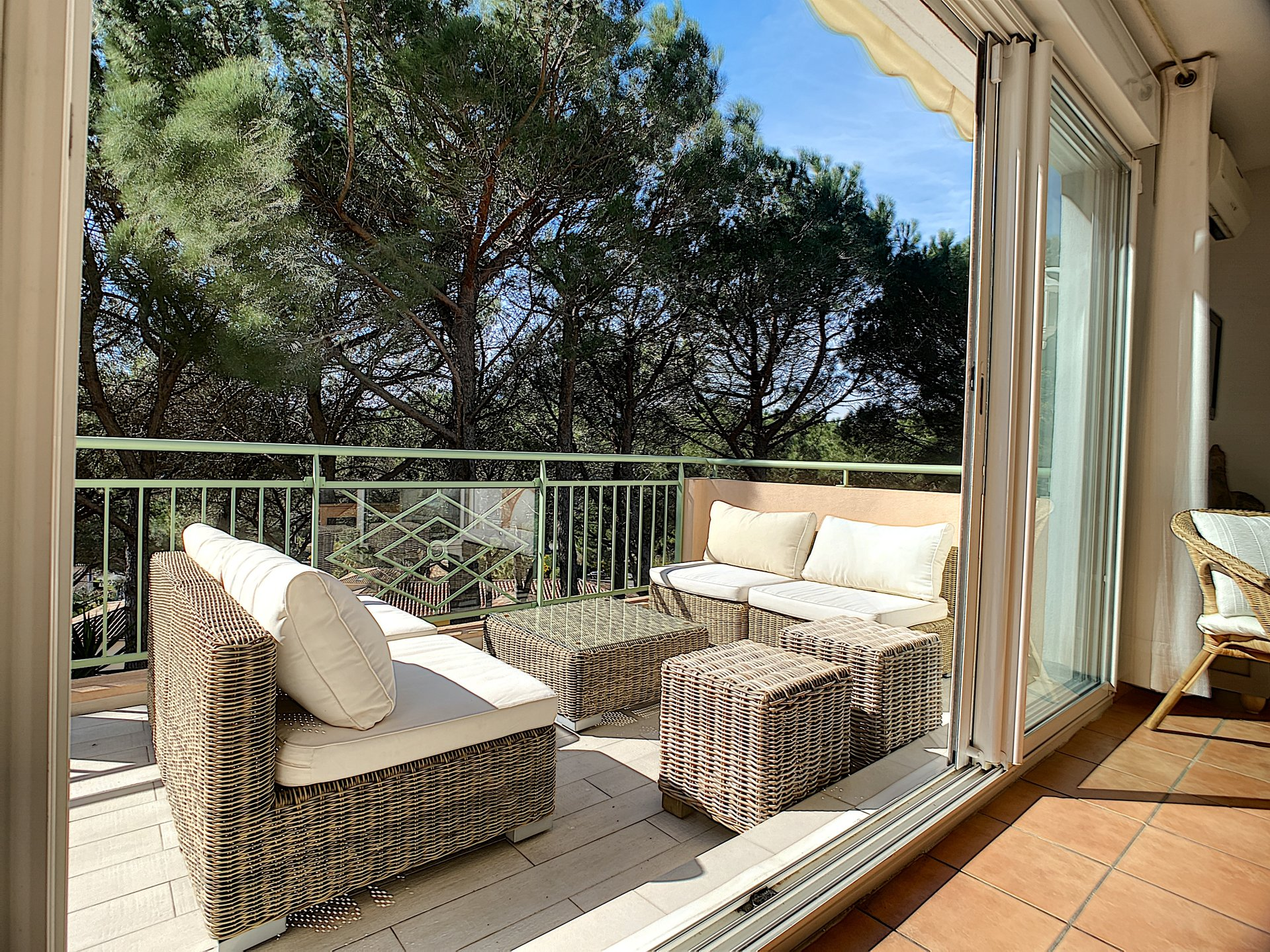 Apartment for sale with sea view in Sainte Maxime