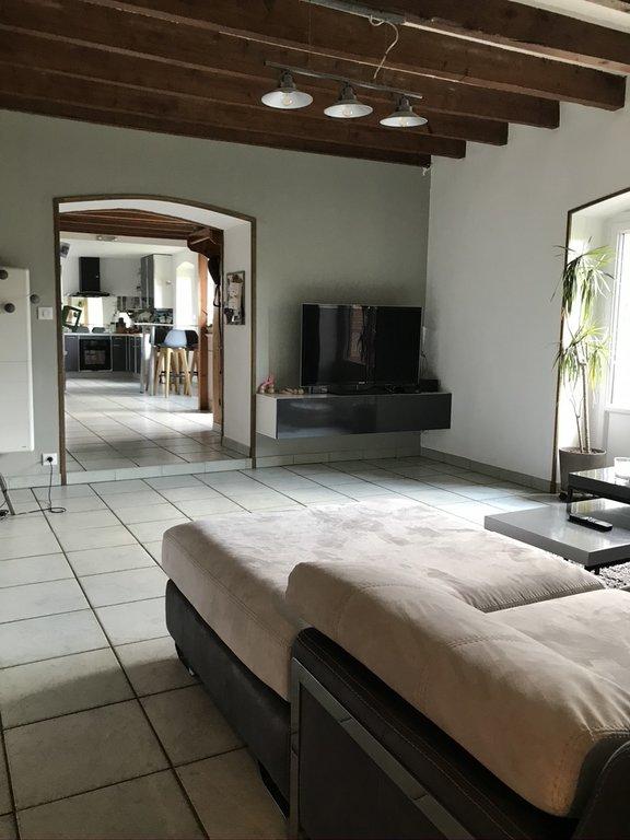 Maison 200 m2  dép pisc terrain 2400 m2