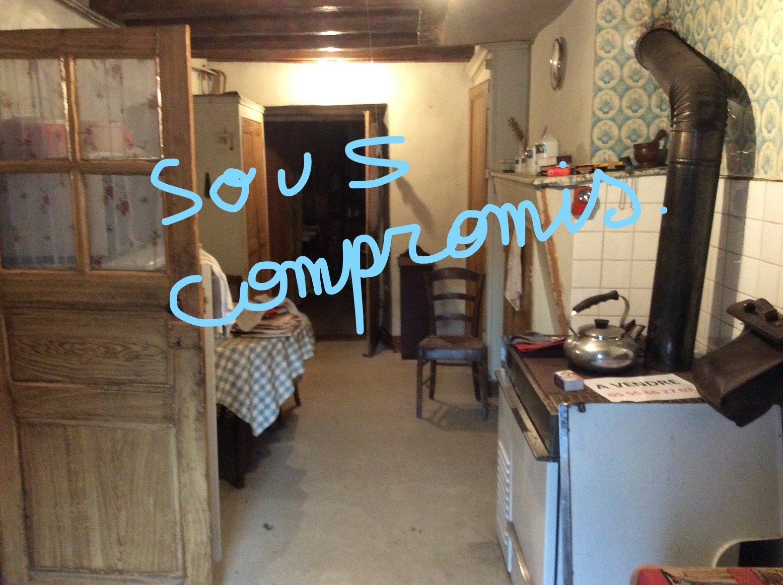 Maison meublée à rénover- jardinet