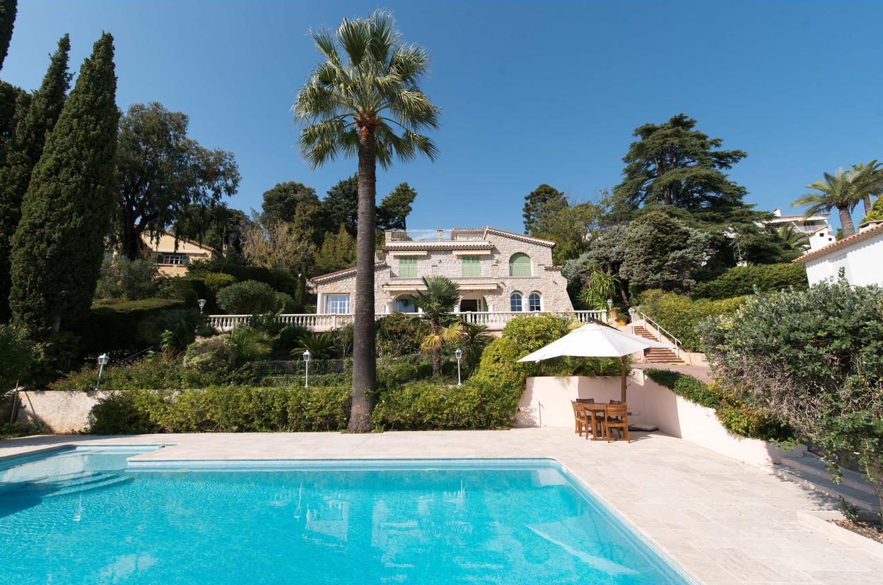 Stenhus nära havet - Cannes