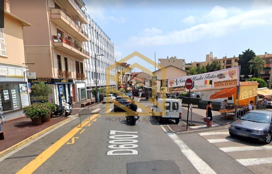 Local commercial à la location Roquebrune centre
