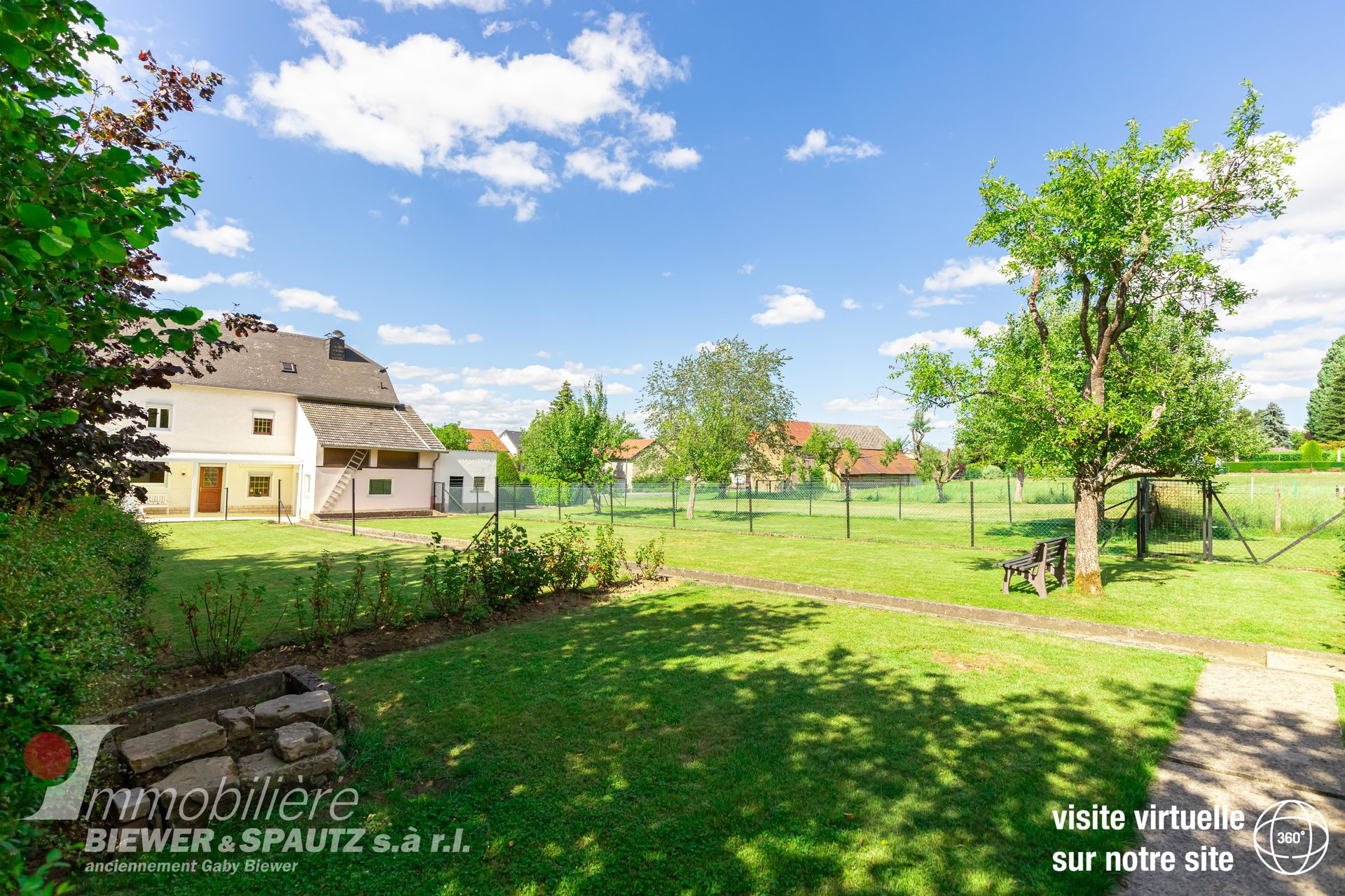 TO SELL - Old farm house with 4 bedrooms in Consdorf