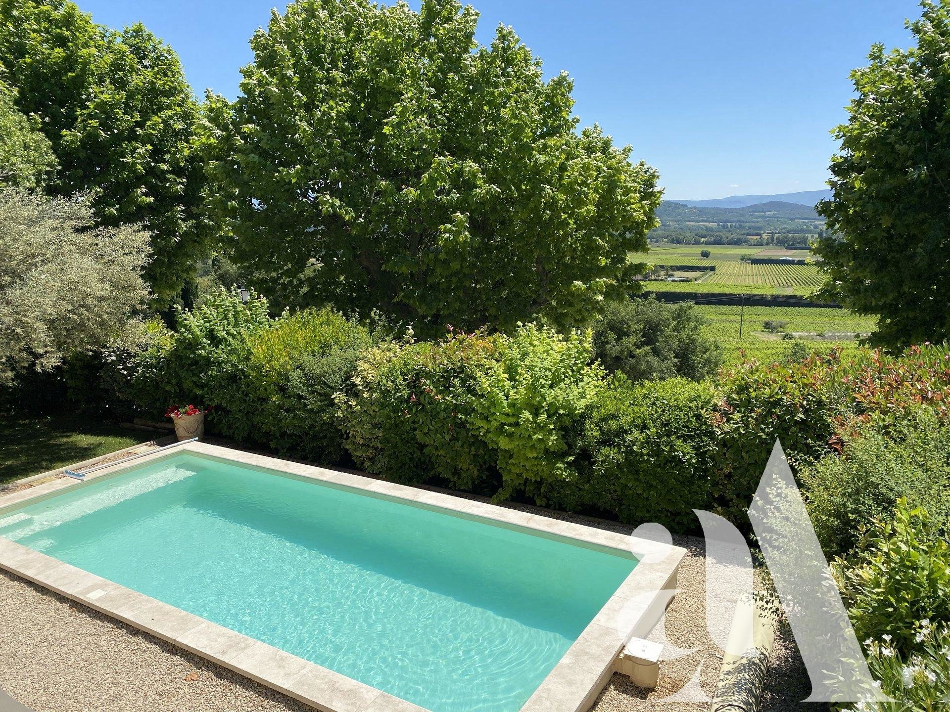 FAMILY HOUSE - LUBERON - PROVENCE- 4 rooms