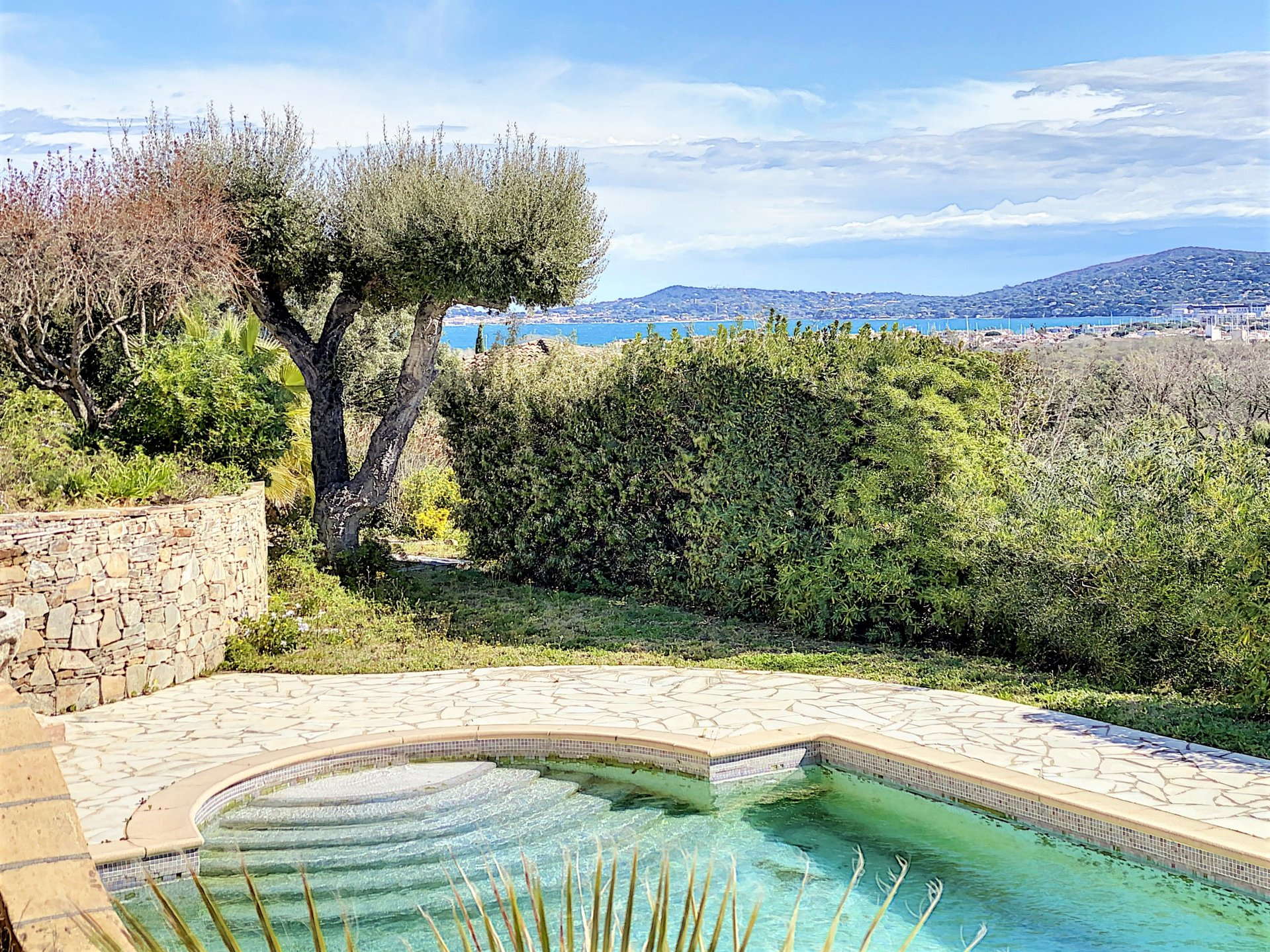 Villa met zeezicht te koop in Grimaud, beveiligd domein