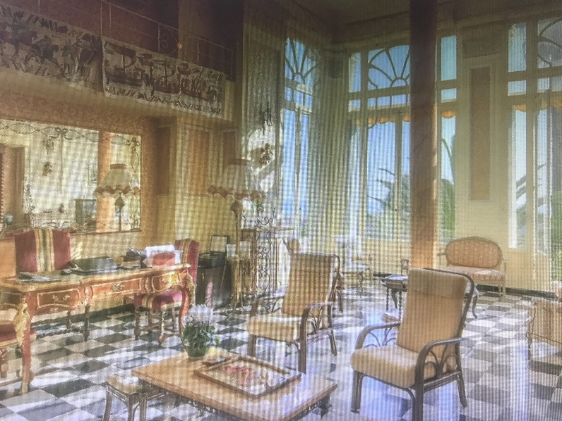 Bien d'Exception- Ancien Palace- T5 de 228m² en duplex avec 2 mezzanines- Parc classé- Garage